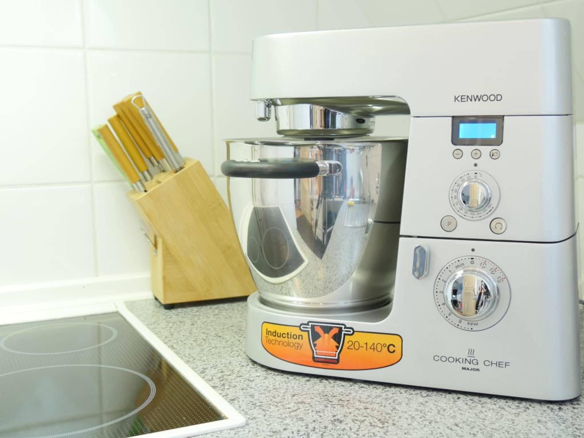 Eine Küchenmaschine wie der Kenwood Cooking Chef ist vielseitig einsetzbar und kann so einige Aufgaben sehr erleichtern.