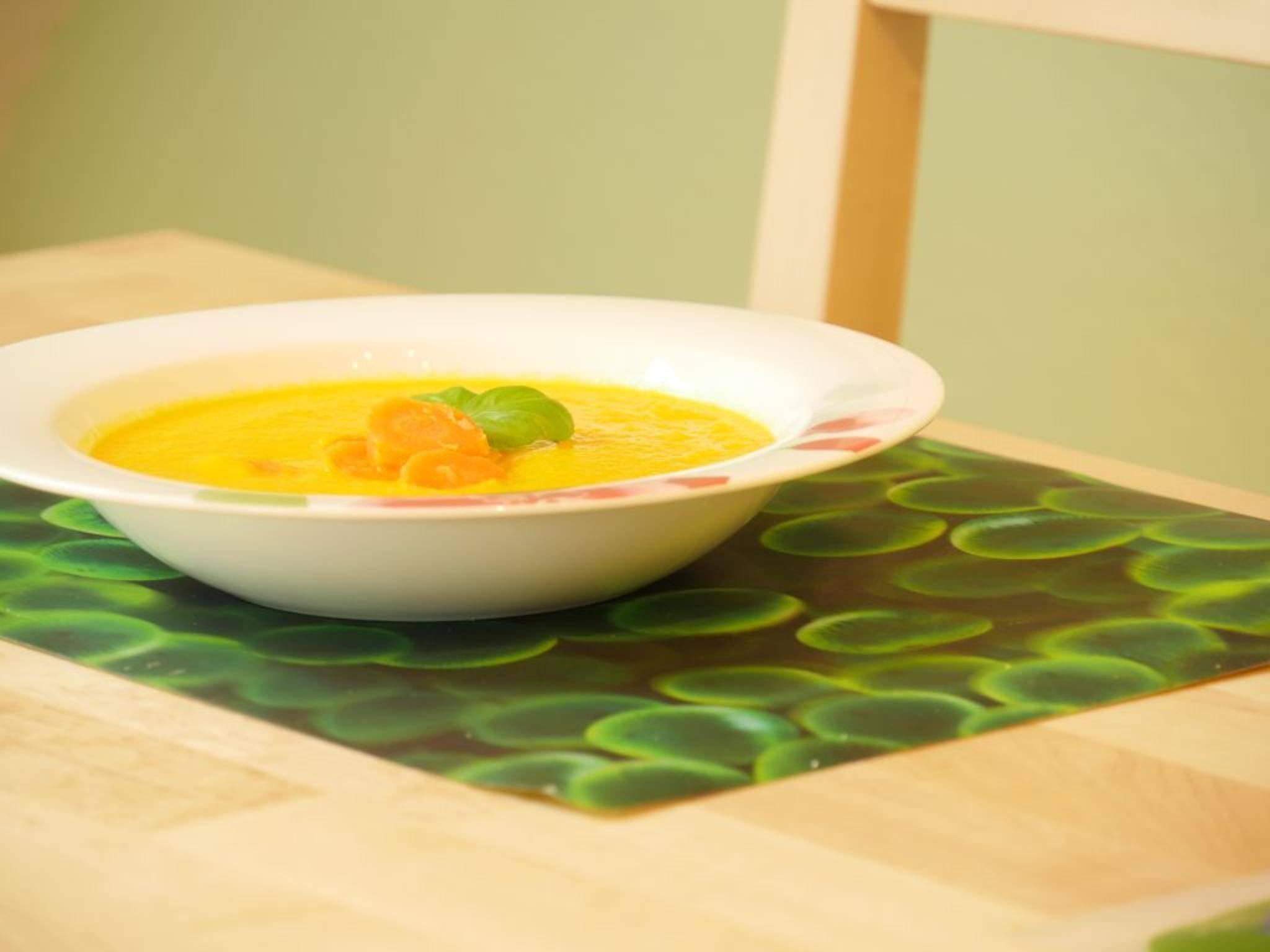 ... fertig ist die leckere Karotten-Orangen-Suppe.