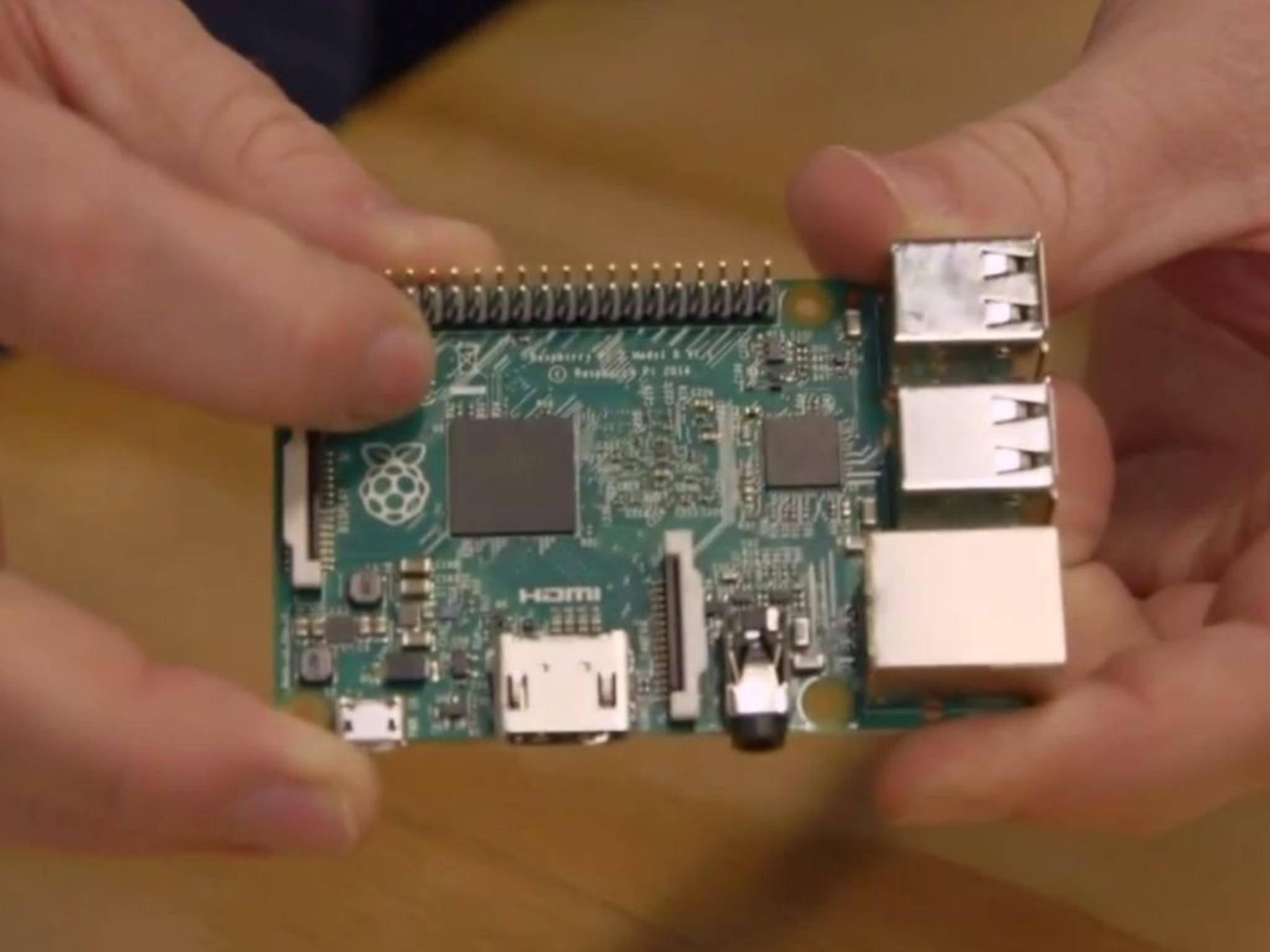 Klein, flott und flexibel: Der Raspberry 2 richtet sich an Bastler und Nachwuchs-Programmierer.