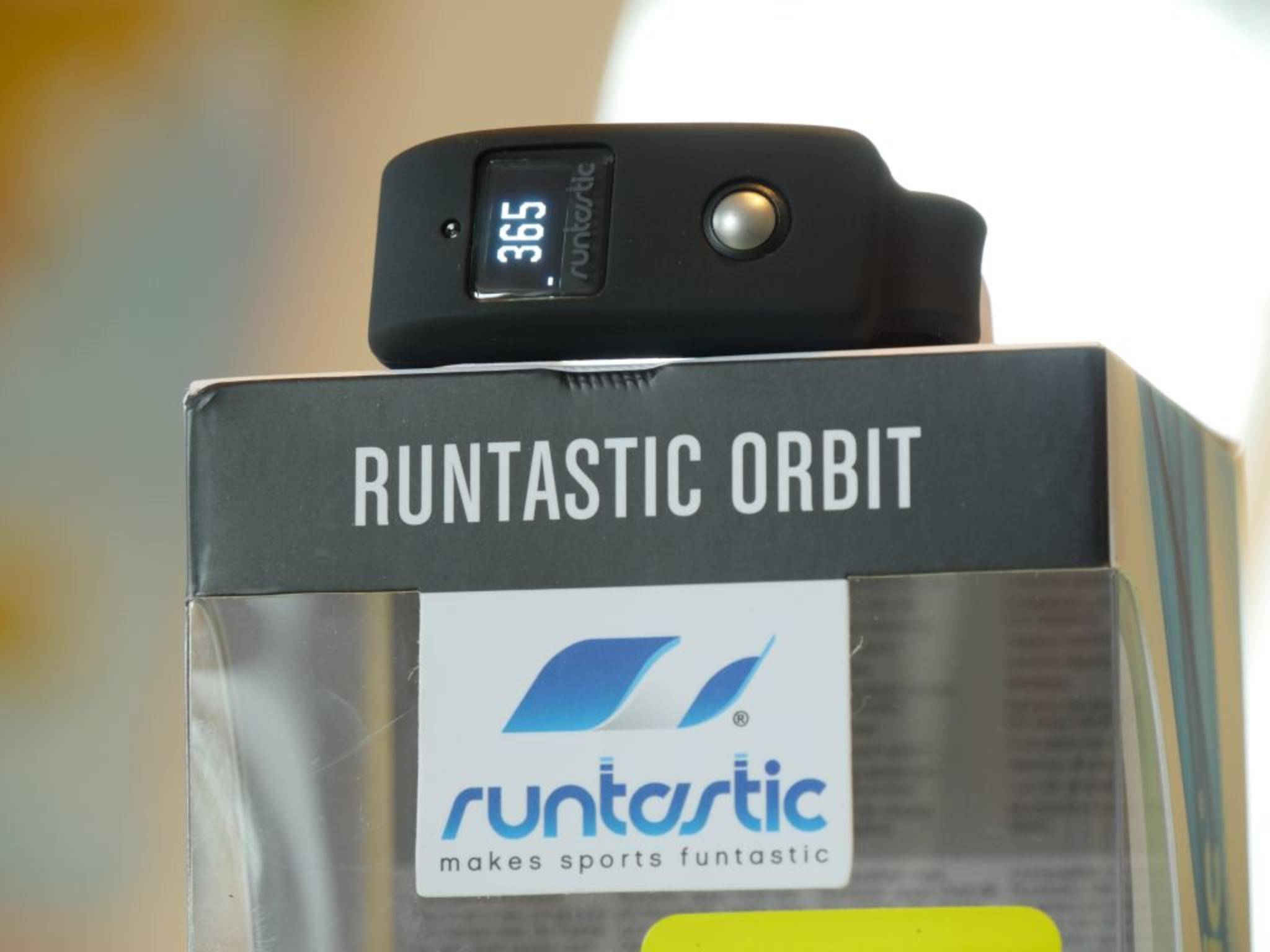 Runtastic Orbit im Test: Der Fitness-Tracker zur App