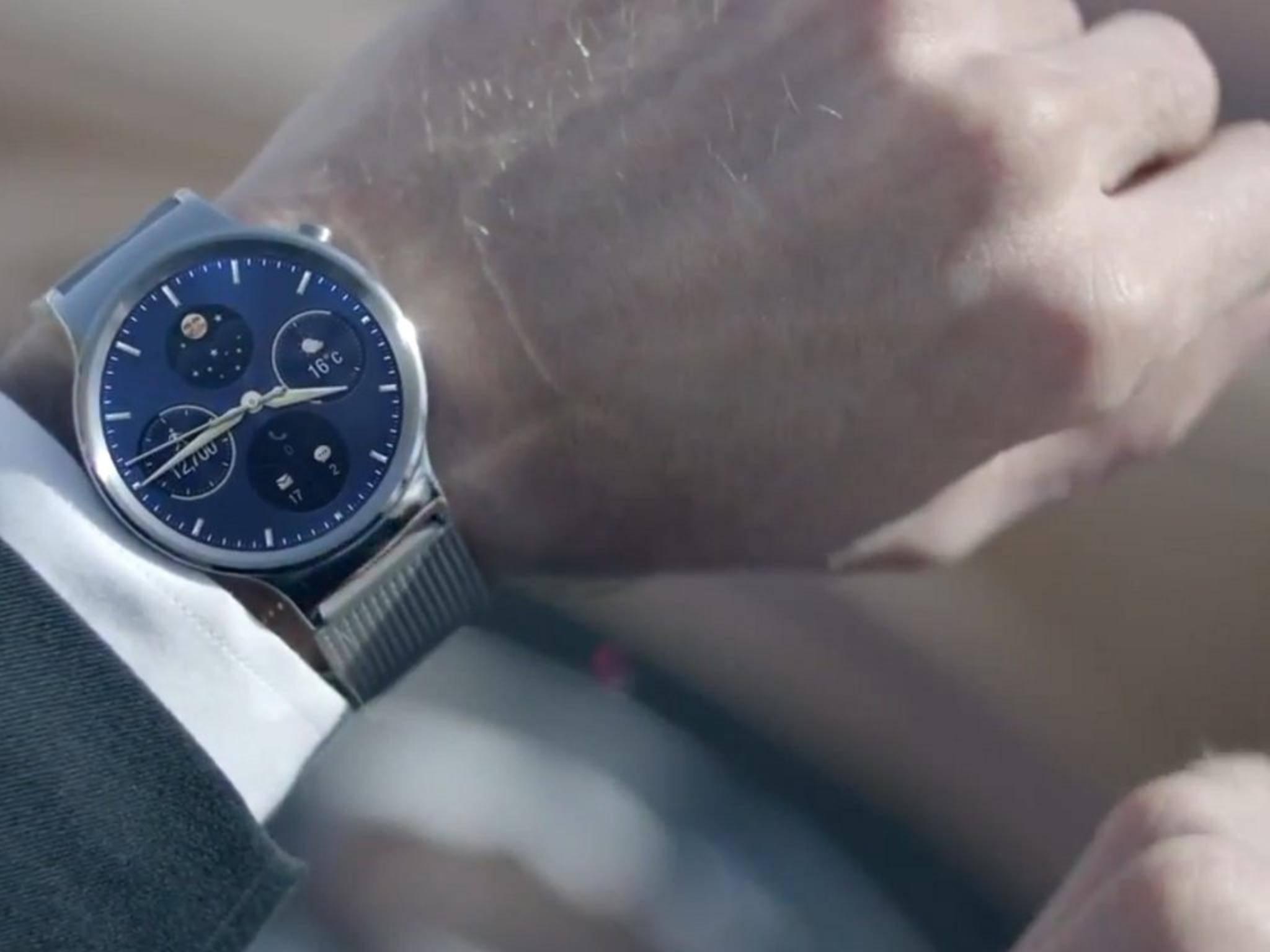 Bei der Huawei Watch haben sich die Chinesen für den klassischen Look entschieden.