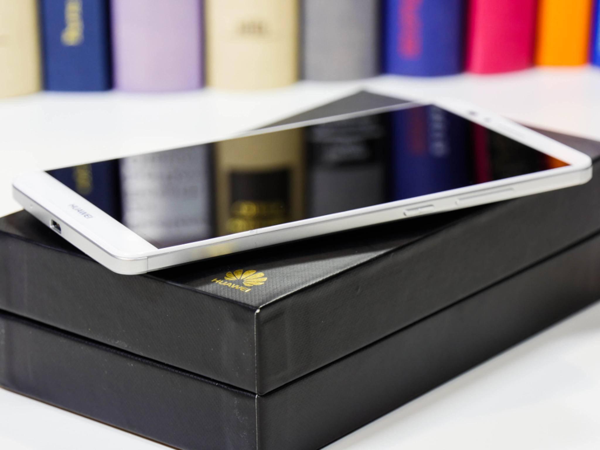 Trotz Riesen-Display passt es besser in die Jackentasche als das Nexus 6.