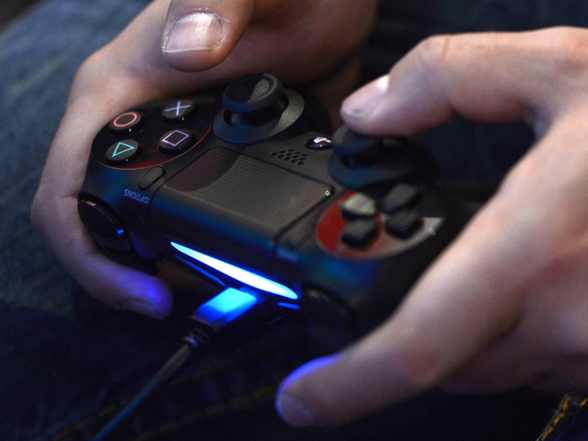 Die LED-Leuchte des PS4-Controllers saugt auch am Akku.