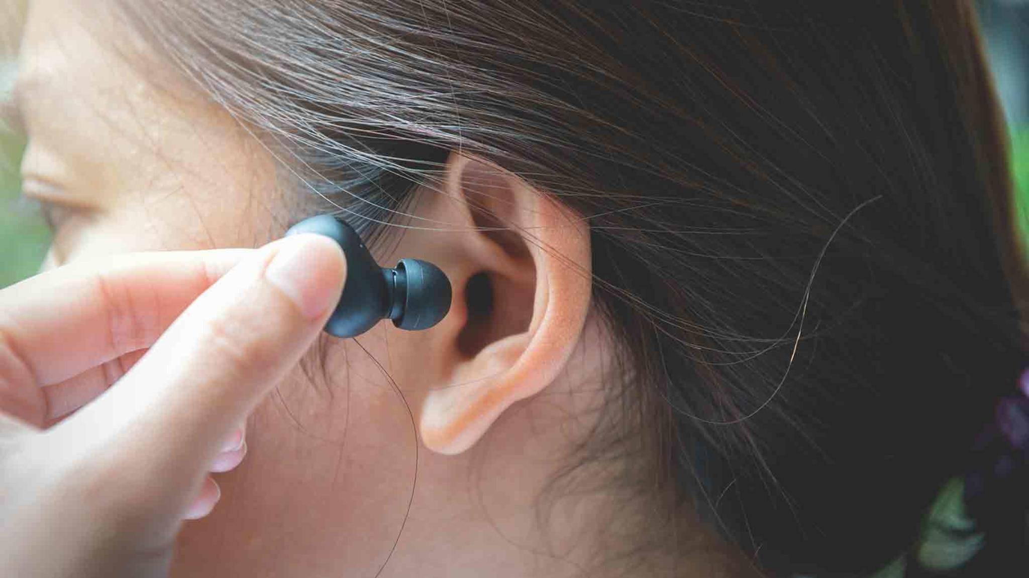 Von Zeit zu Zeit solltest Du Deine In-Ear-Kopfhörer gründlich reinigen.
