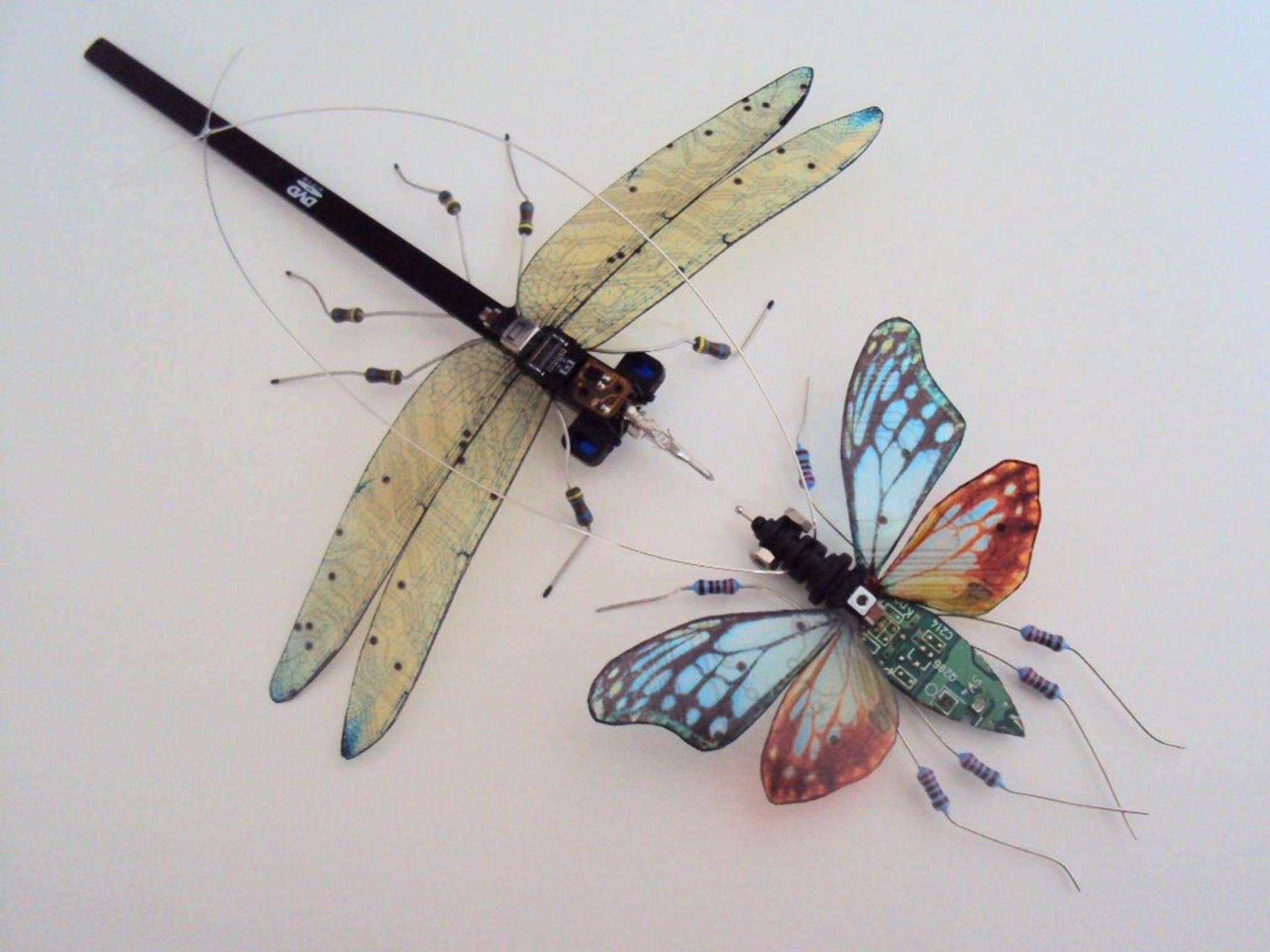 """Diese Insekten gehören zu den """"Computer Component Bugs"""" von Julie Alice Chappell."""