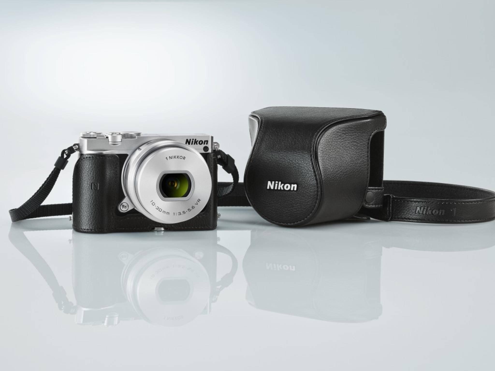 Die Nikon 1 J5 besitzt einen Ein-Zoll-Sensor, die neue Nikon soll mit Vollformatsensor kommen.