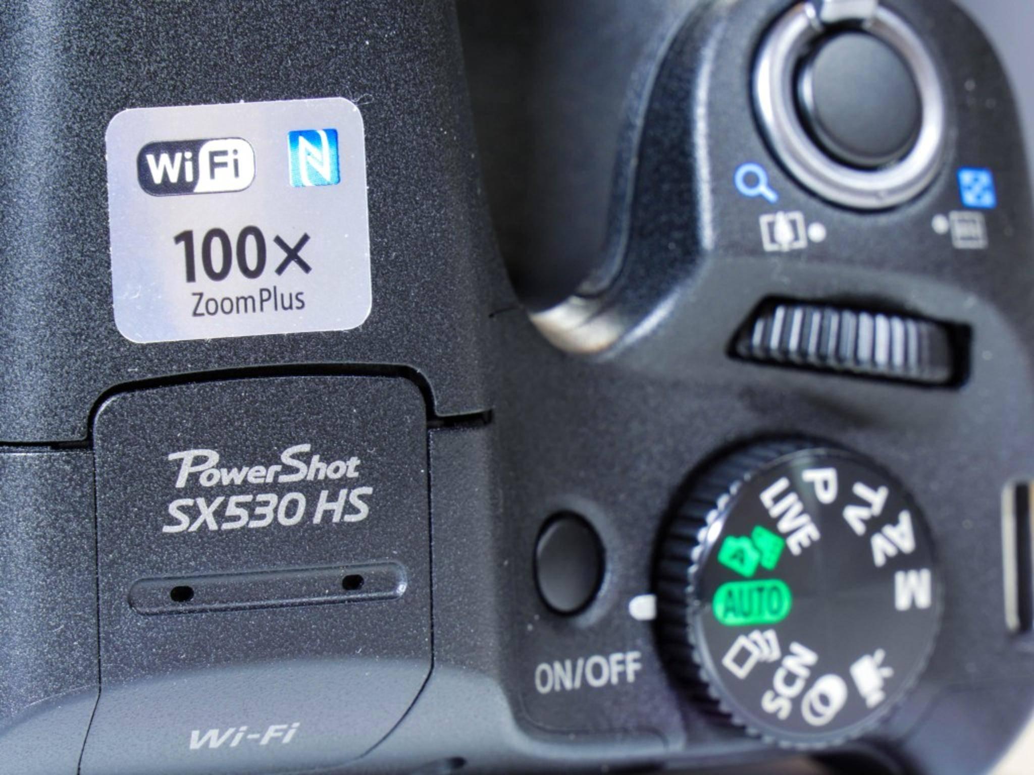 Dafür bringt die PowerShot Wi-Fi und NFC mit.
