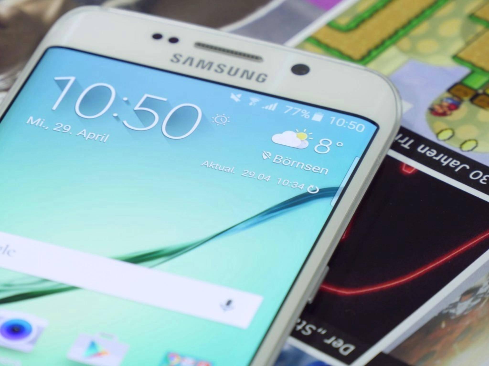 Highlight des Galaxy S6 Edge sind seine abgerundeten Display-Seiten.