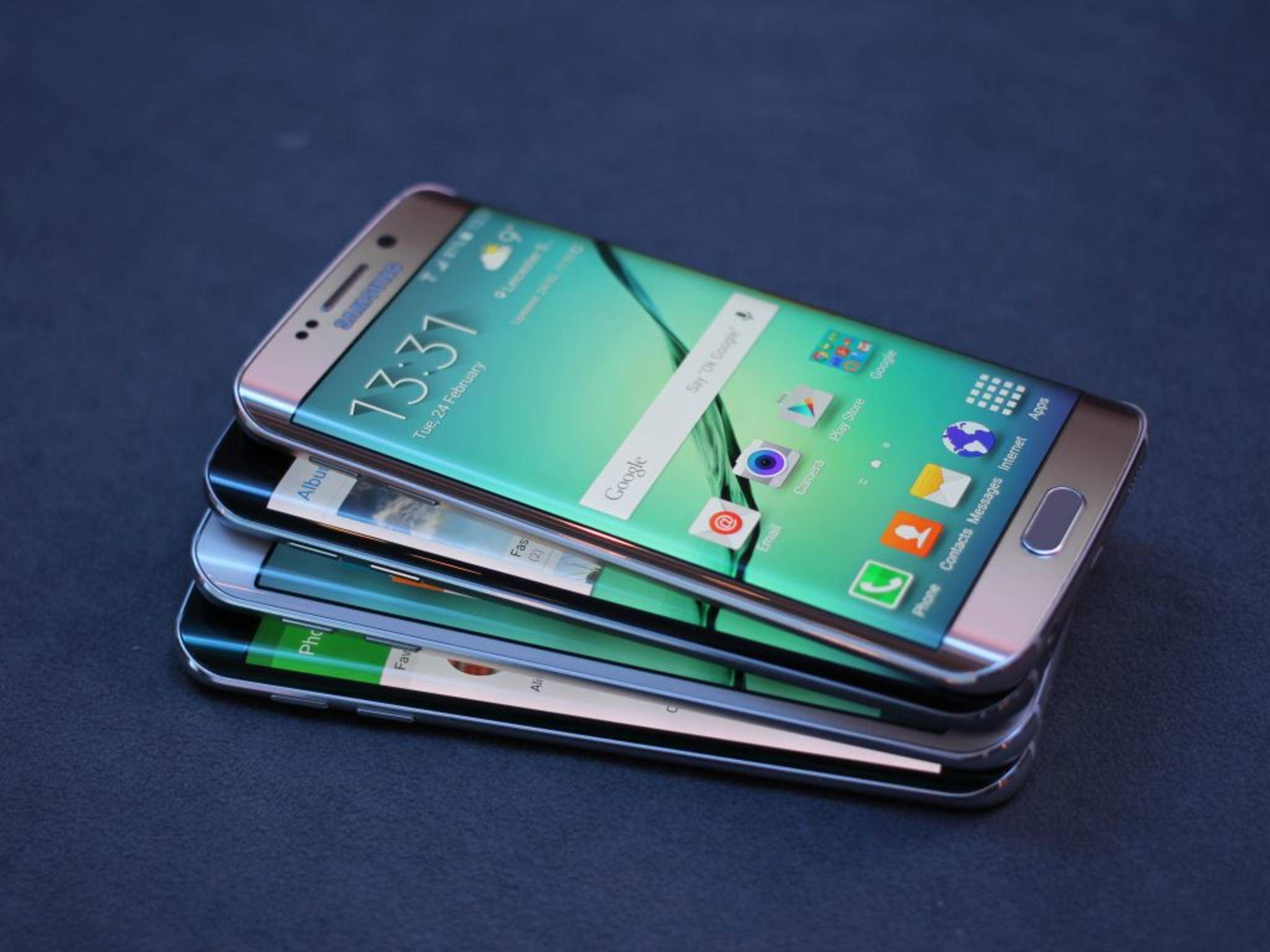 Cool und praktisch: das Curved-Display des Samsung Galaxy S6 Edge.