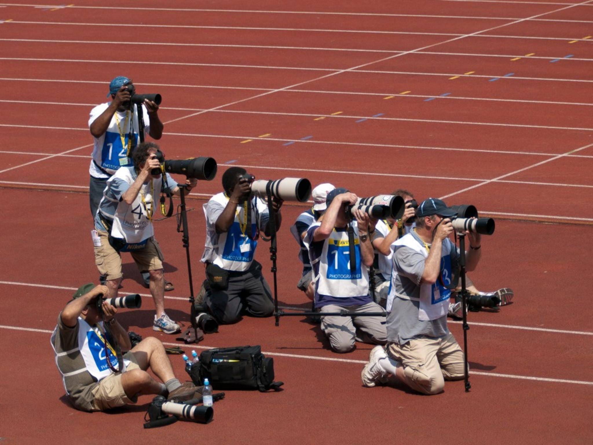 Sportfotografen besitzen beeindruckende Teleobjektive.