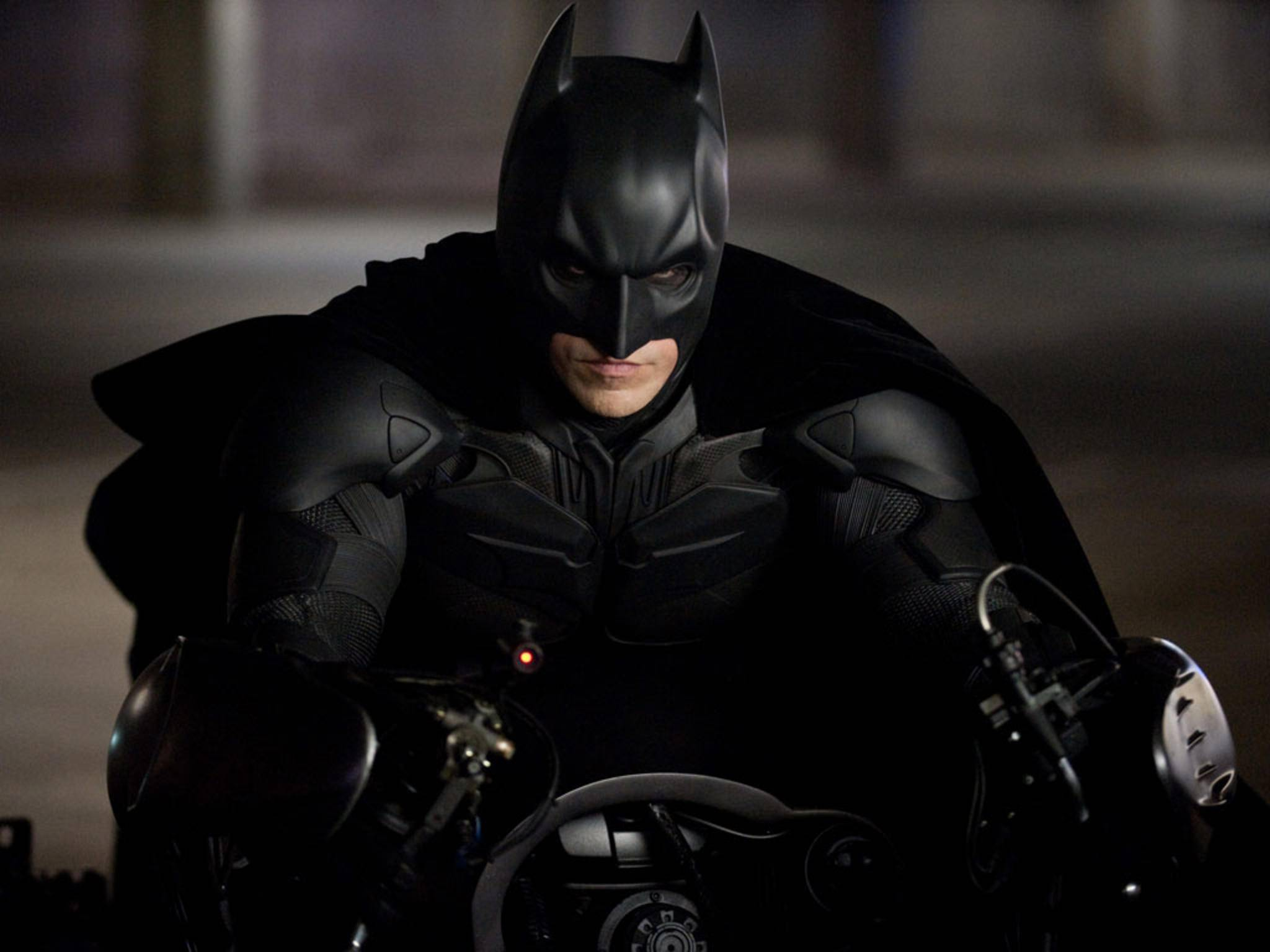 "Christian Bales Batman-Kostüm (hier in Aktion in Christopher Nolans ""The Dark Knight Rises"") wurde in London versteigert."
