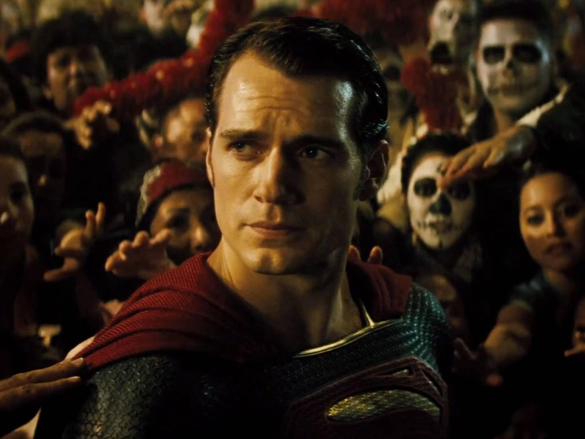 """Die Managerin verrät: Henry Cavill schlüpft demnächst wieder für einen """"Superman""""-Solofilm ins rote Cape."""