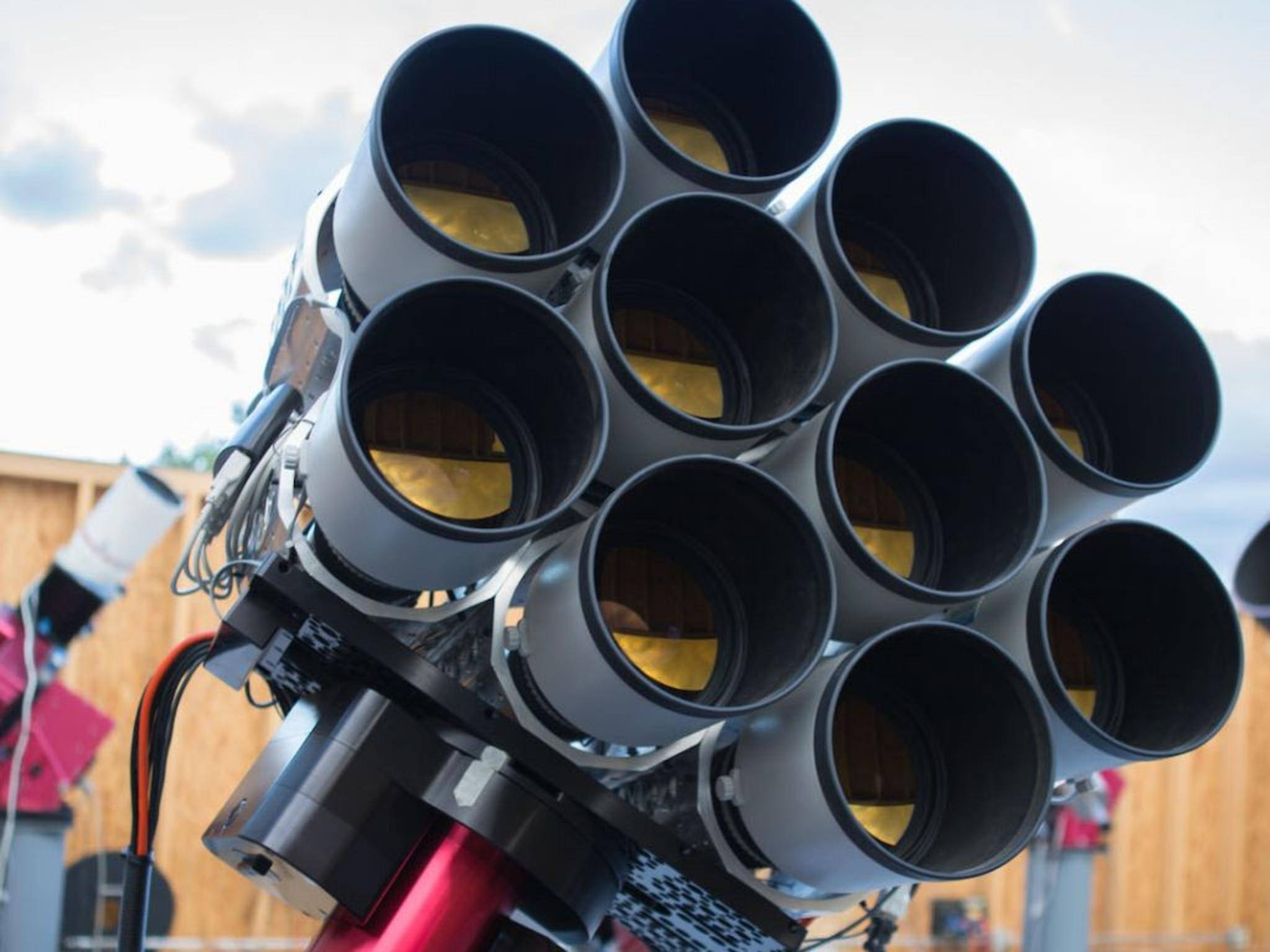 Dragonfly dieses teleskop besteht aus zehn canon objektiven