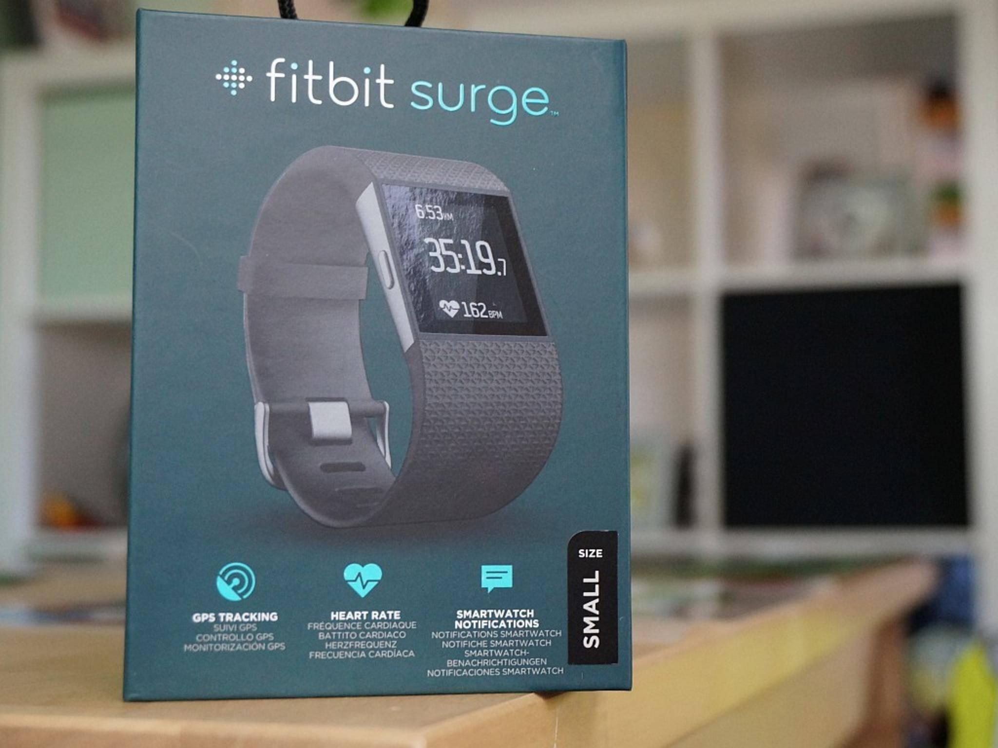 Die Fitbit Surge ist das teuerste Wearable im Test.