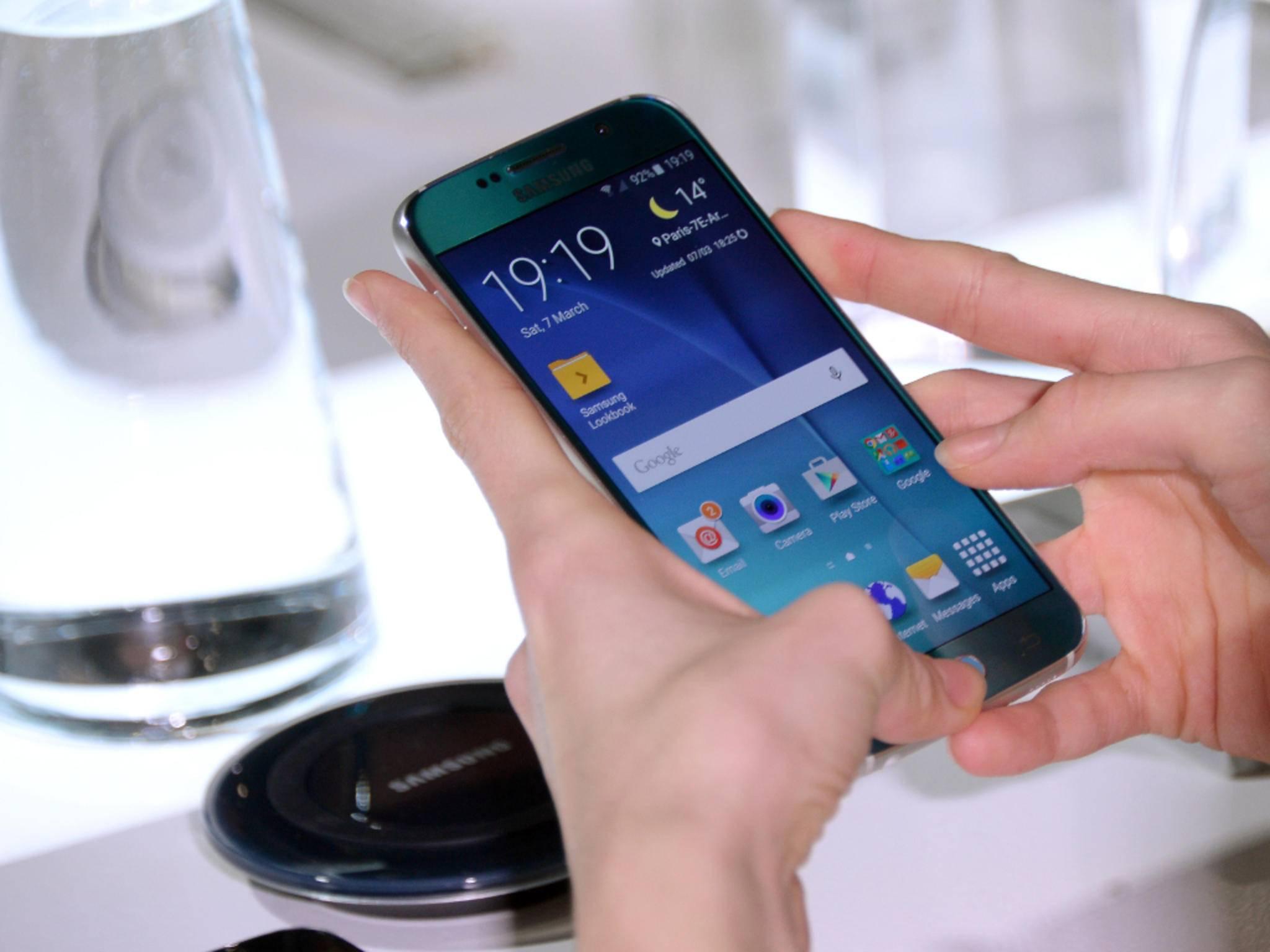 Das neue Klapphandy von Samsung sieht aus wie das Galaxy S6.