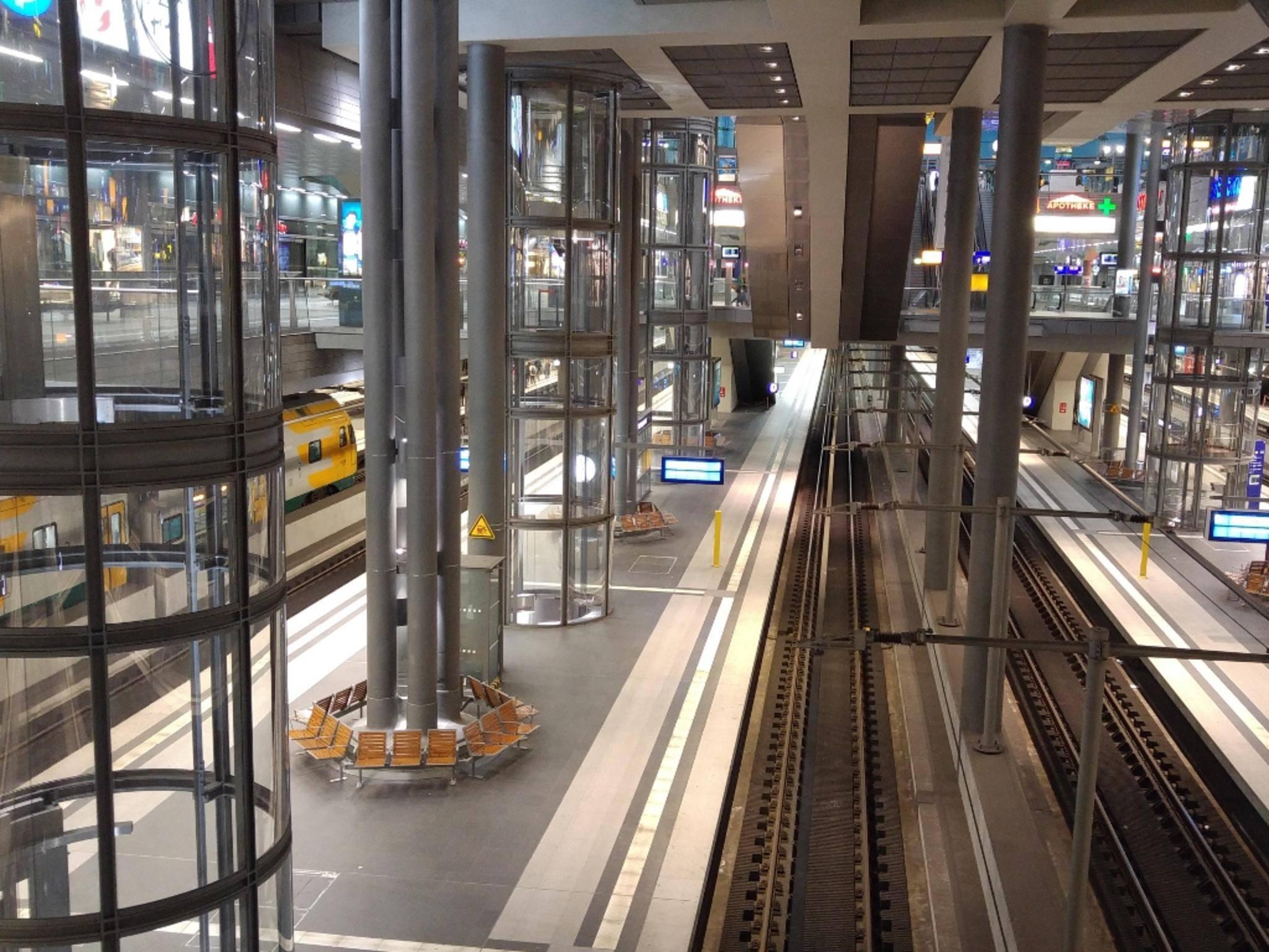 Auch Innenaufnahmen wirken natürlich, wie hier der Berliner Hauptbahnhof.
