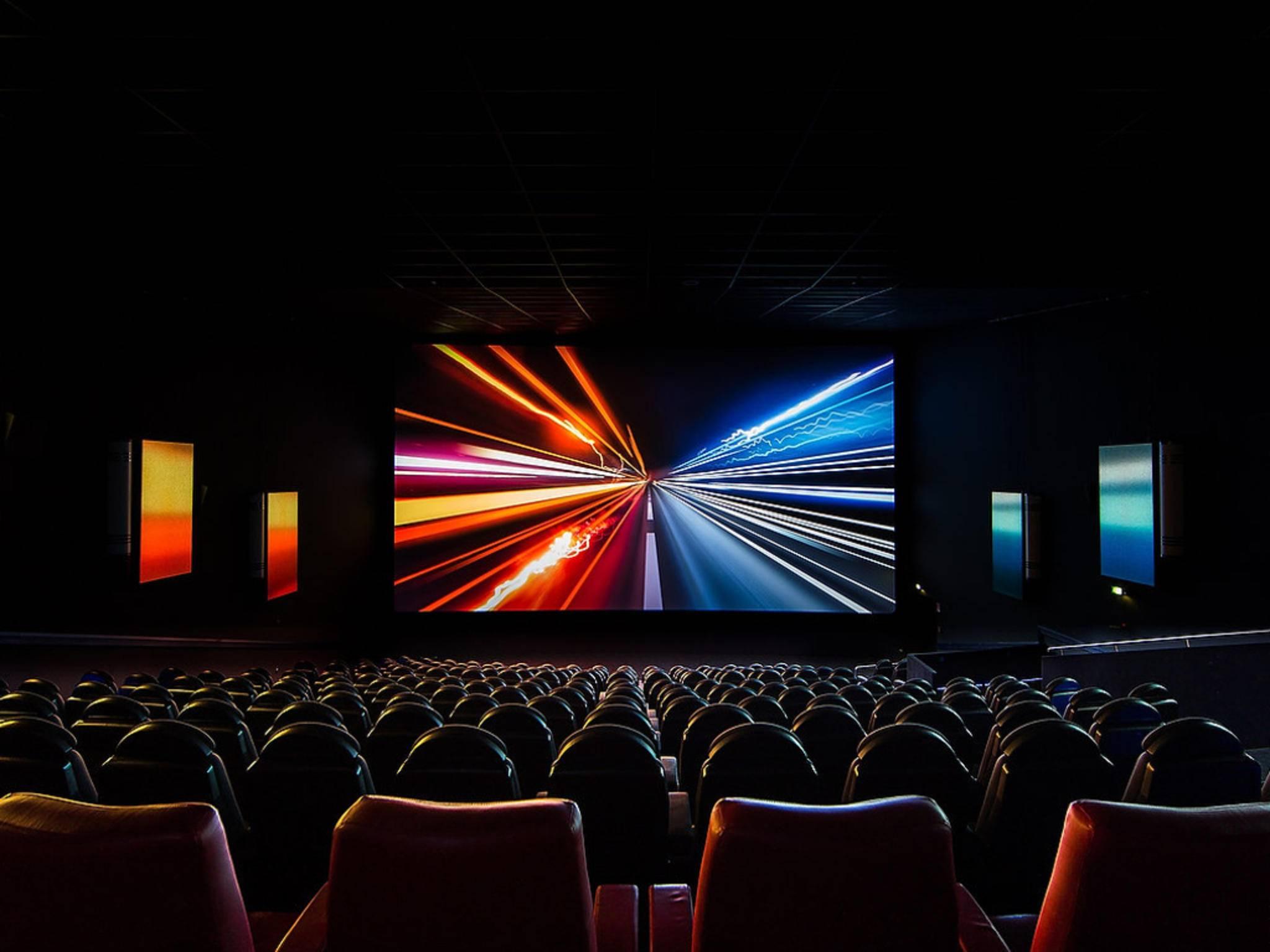 LightVibes soll das Ambilight-Erlebnis ins Kino übertragen.