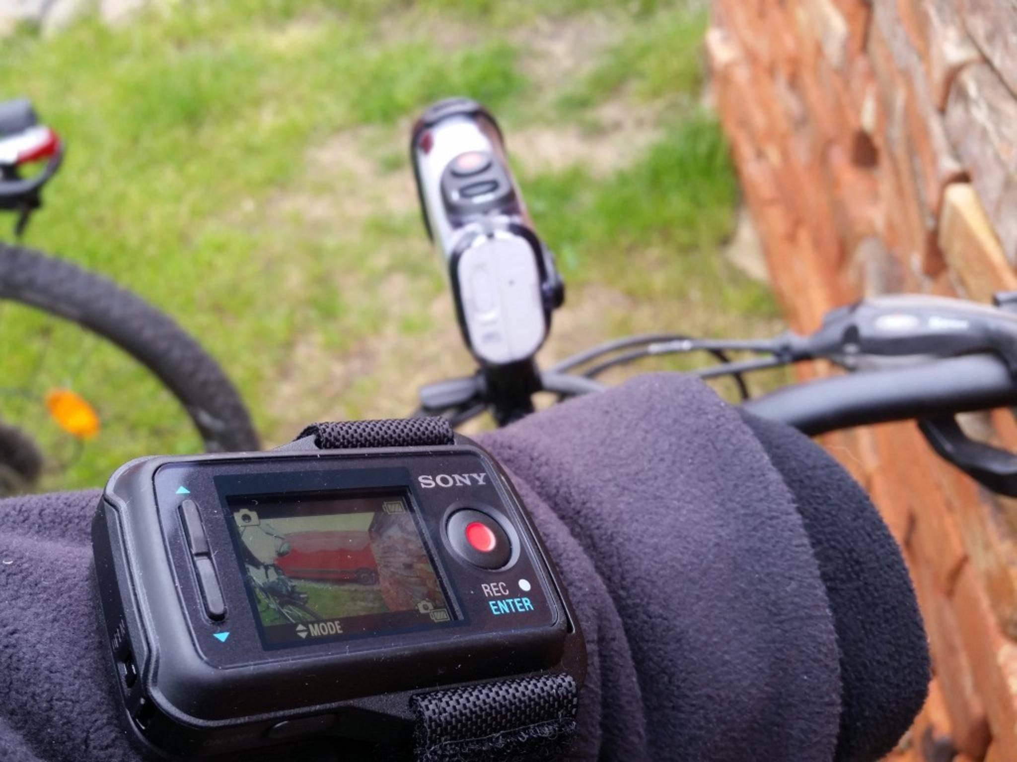 Die optionale Live View Remote erleichtert die Bedienung.