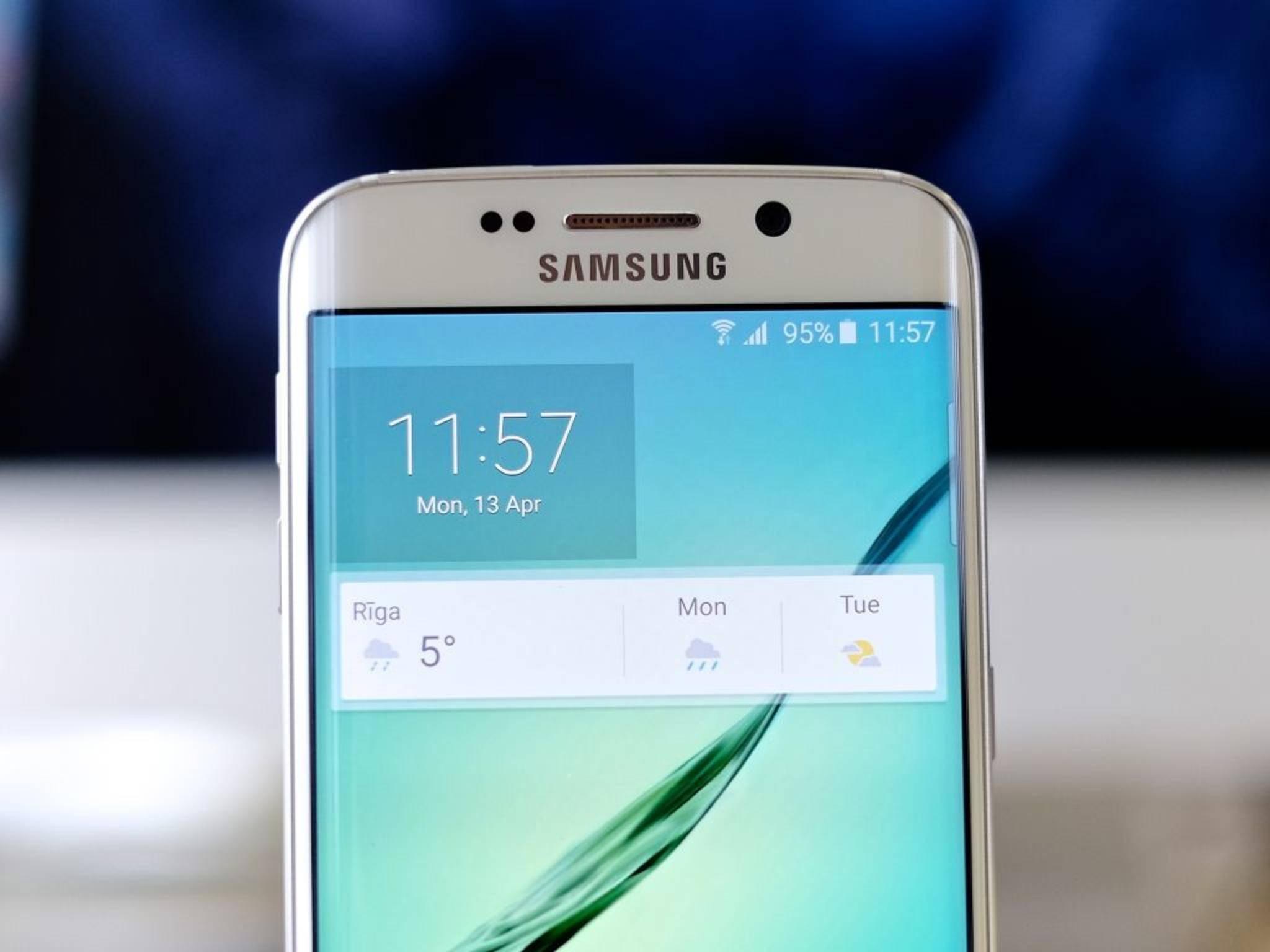 Der fest verbaute Akku des Galaxy S6 hält im Alltag rund ein bis zwei Tage.