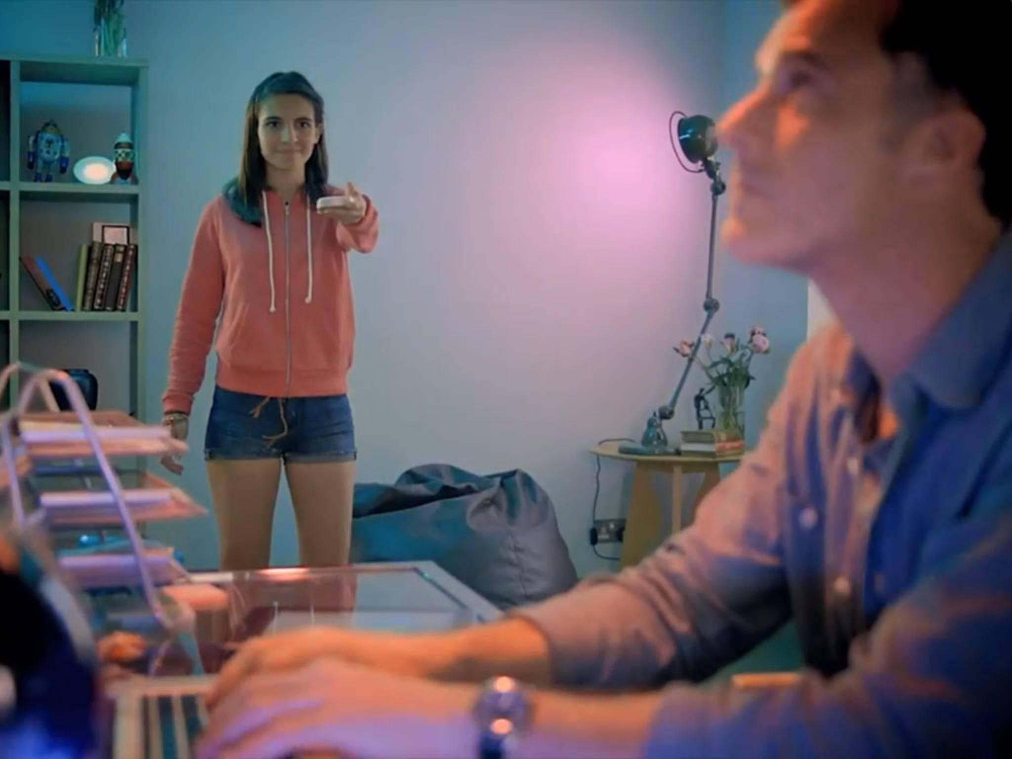 Auch die Philips Hue-Lampe lässt über die Apple HomeKit-Funktion steuern.