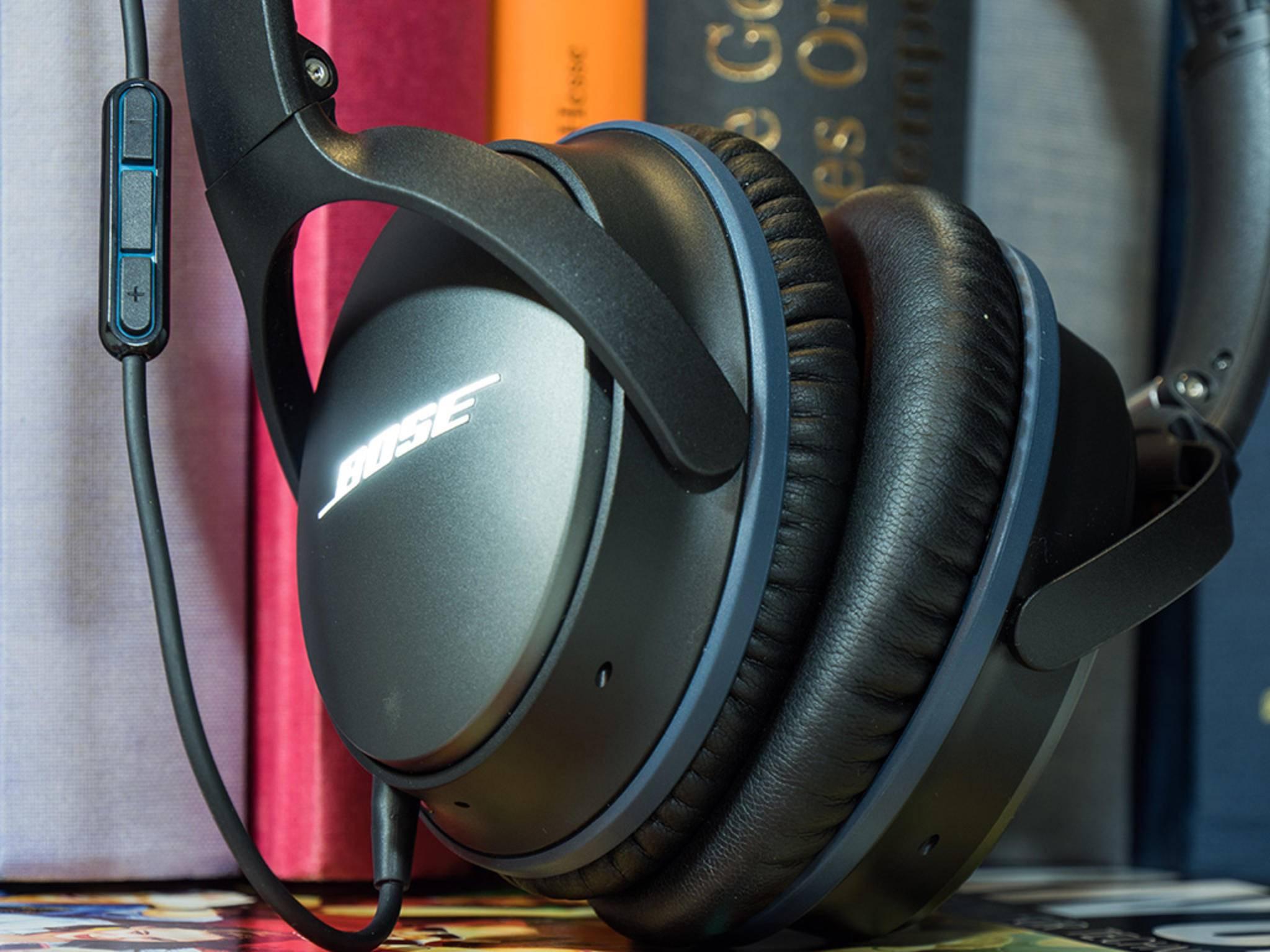 Das Audio-Kabel besitzt an jedem Ende einen Stecker.