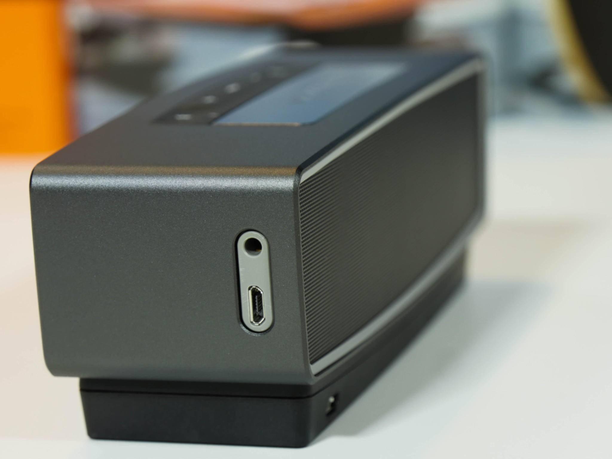 Nimmt man gerne mit: Der Bose SoundLink mini II hält eine Menge aus.