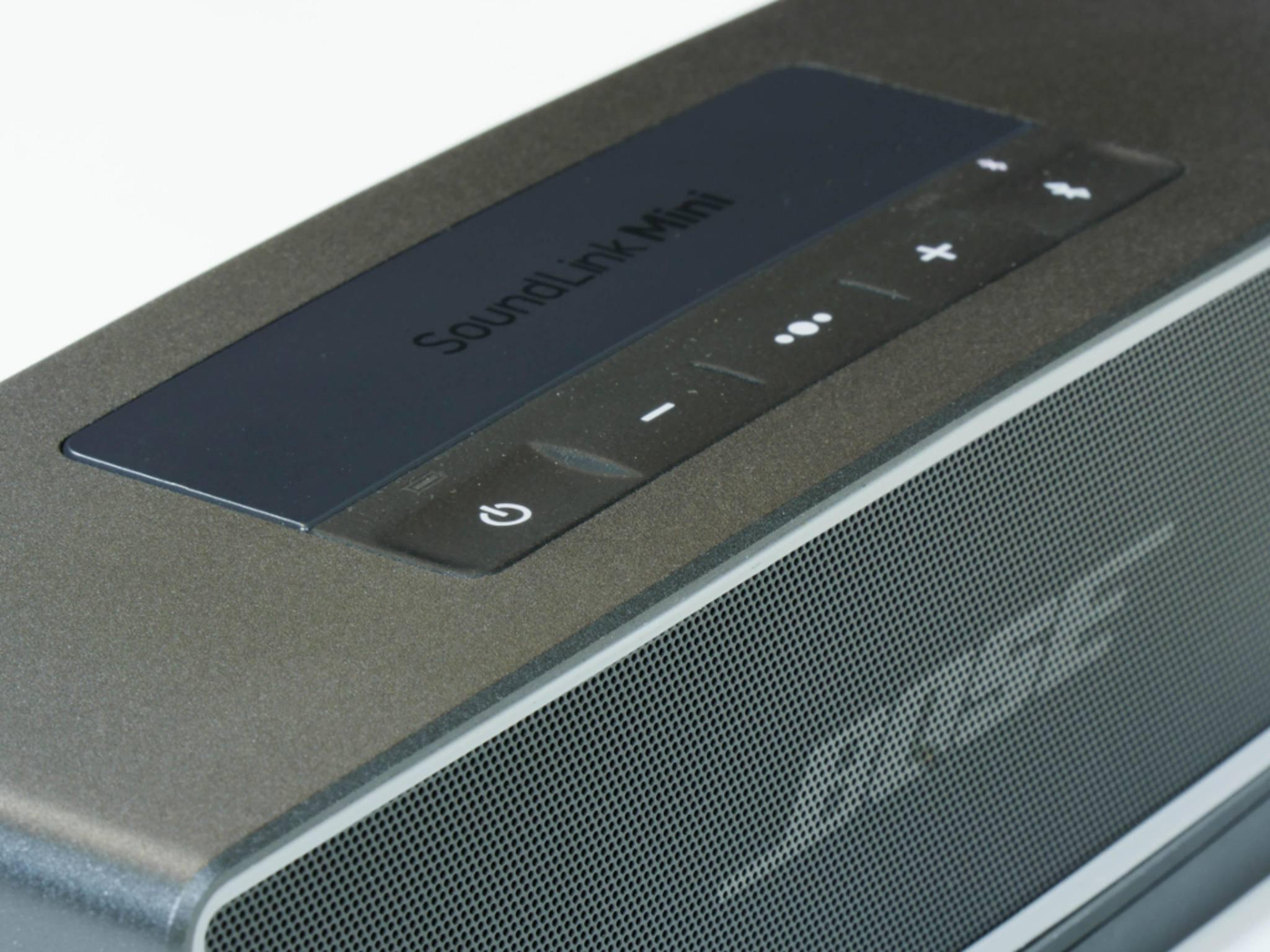 Der SoundLink Mini II ist schwerer als so mancher Konkurrent.