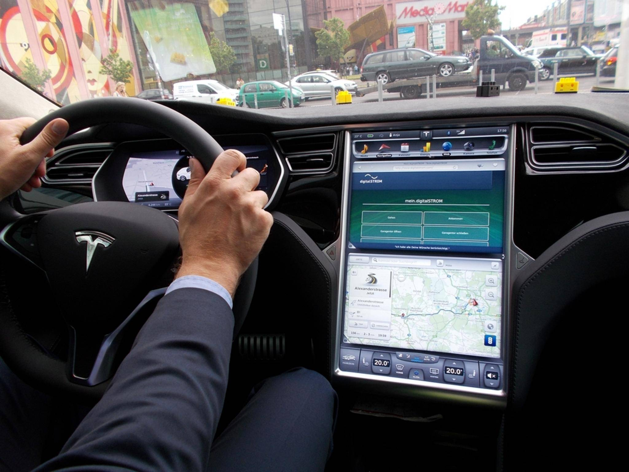 digitalStrom steuert das Smart Home vom Auto aus.