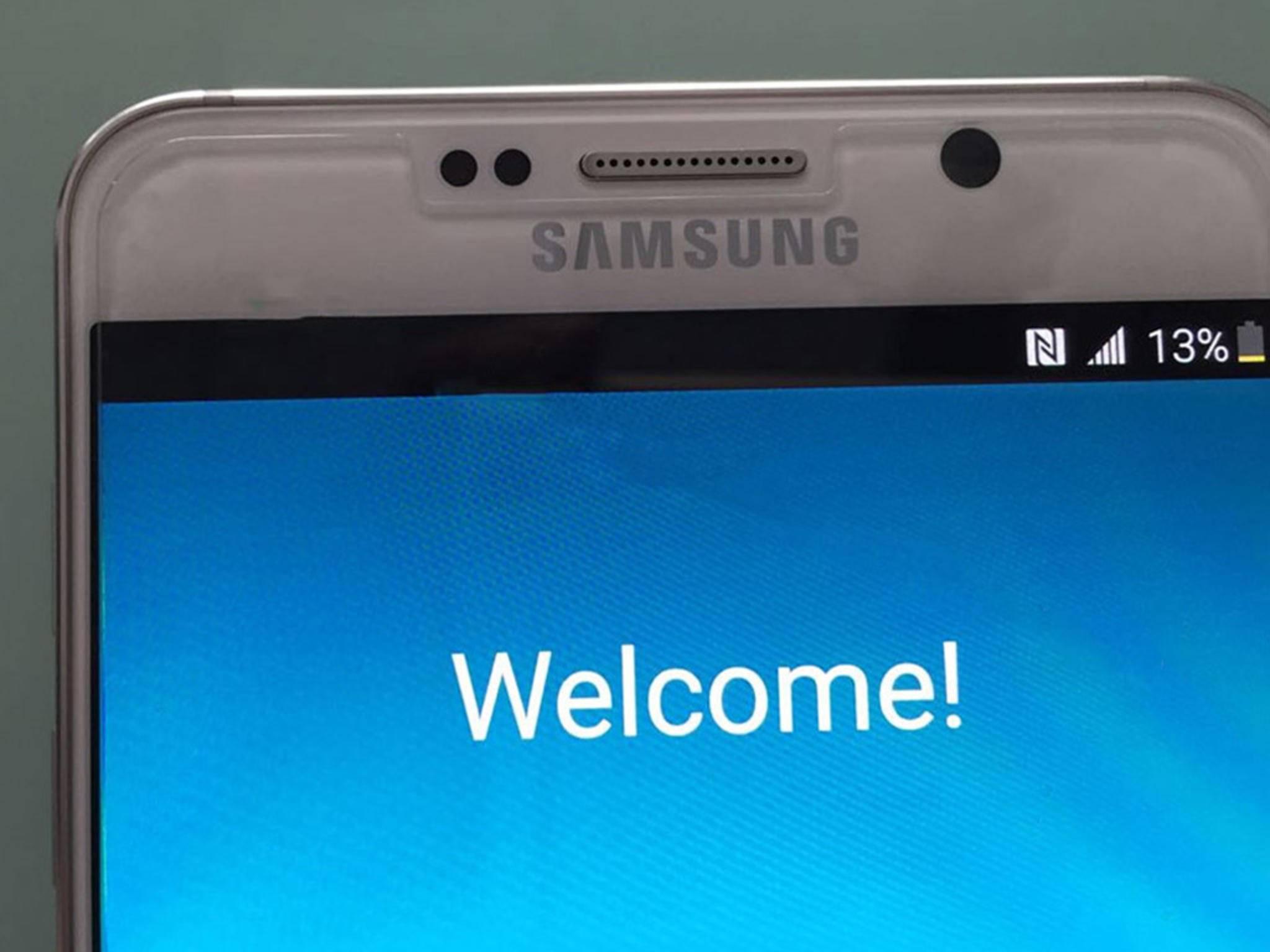 Das Galaxy Note 5 setzt auf ein Super AMOLED-Display und wird wohl am 13.08.15 vorgestellt.