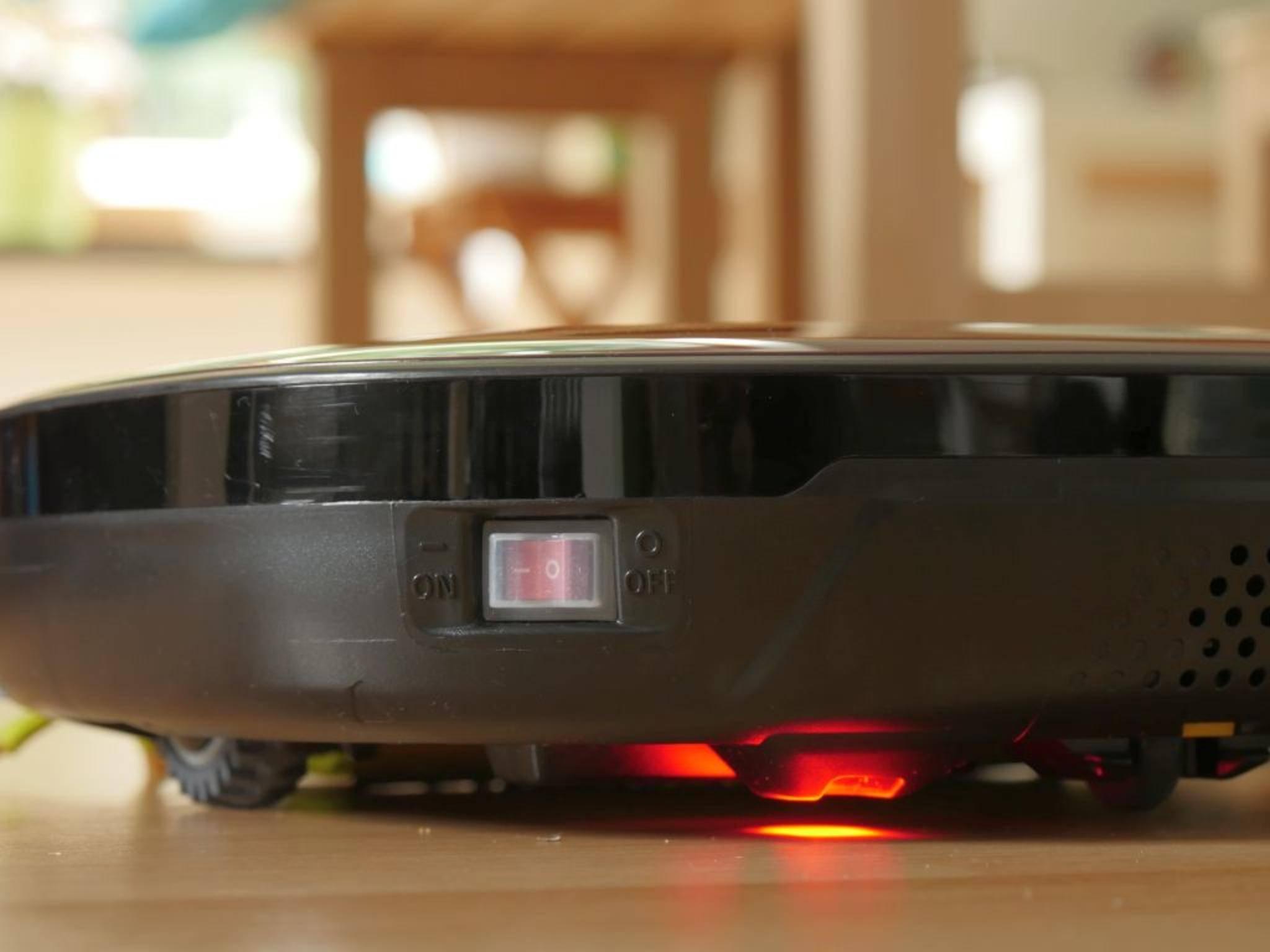 Eingeschaltet werden Station und Roboter separat.