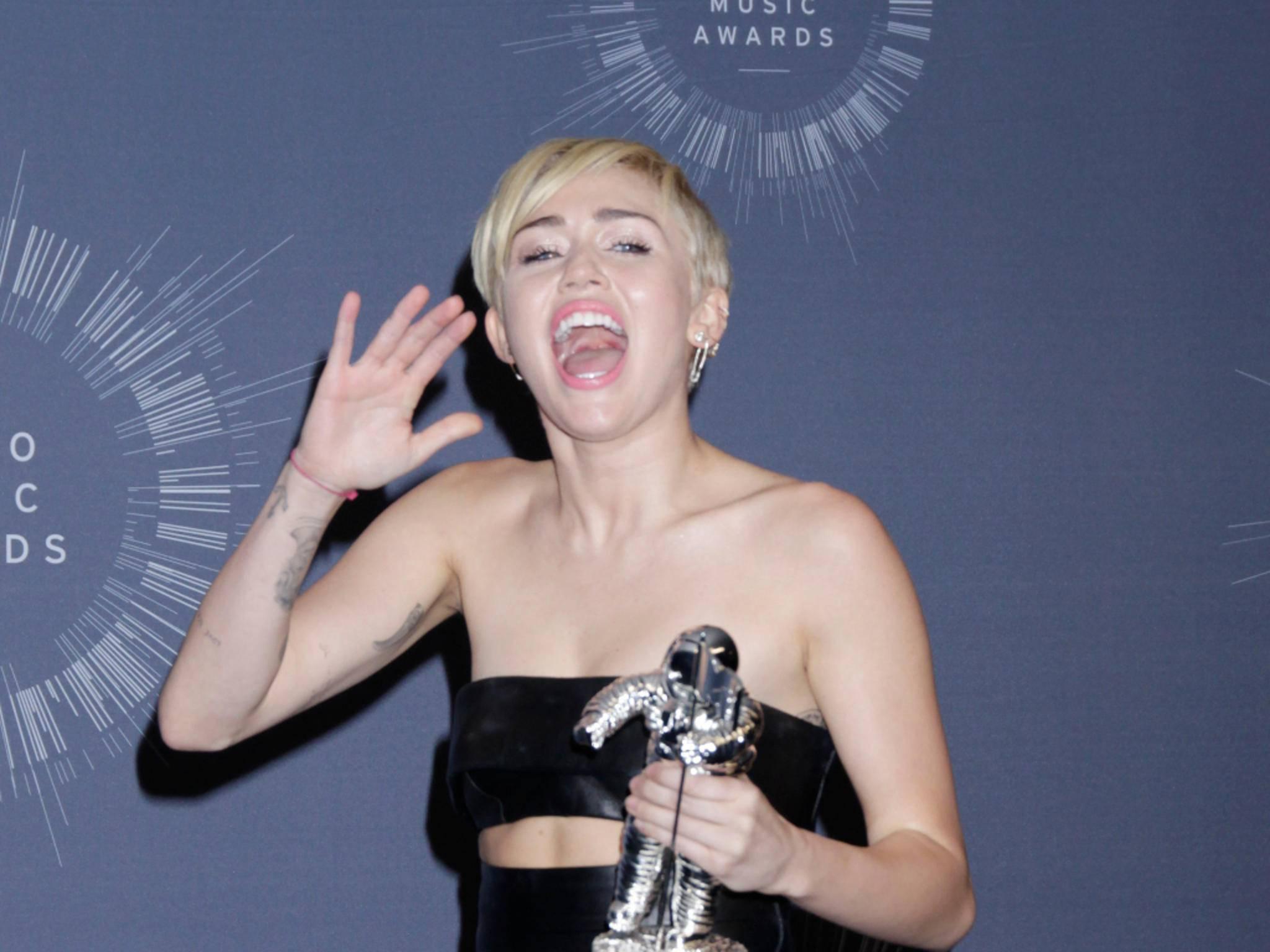 Skandalnudel Miley Cyrus moderiert in diesem Jahr die MTV VMAs.