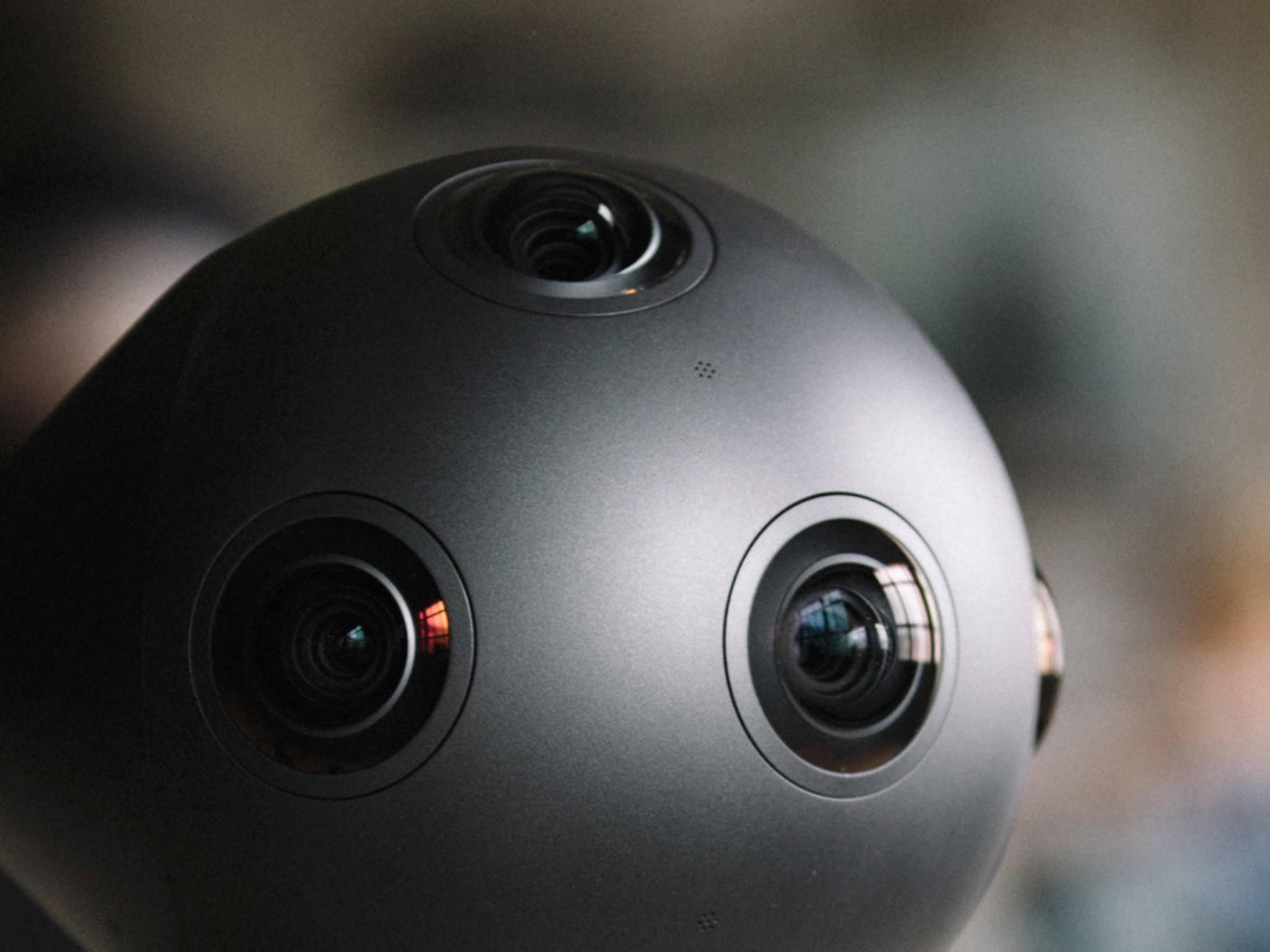 Die Nokia OZO VR-Cam kommt mit 8 Linsen und Mikrofonen daher.