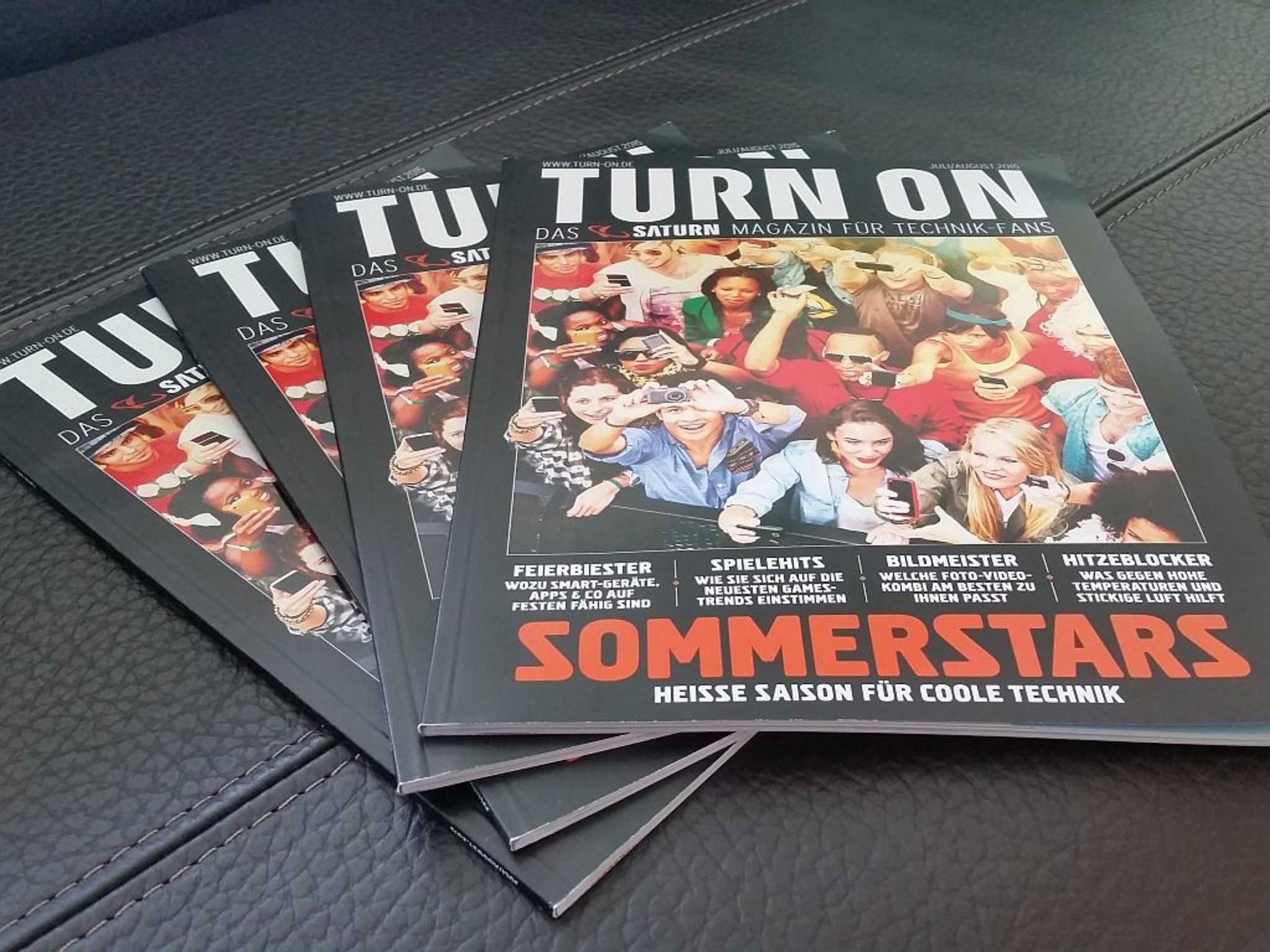 Liegt seit dem 6. Juli in Deutschlands Saturn-Märkten: das neue TURN ON Magazin.