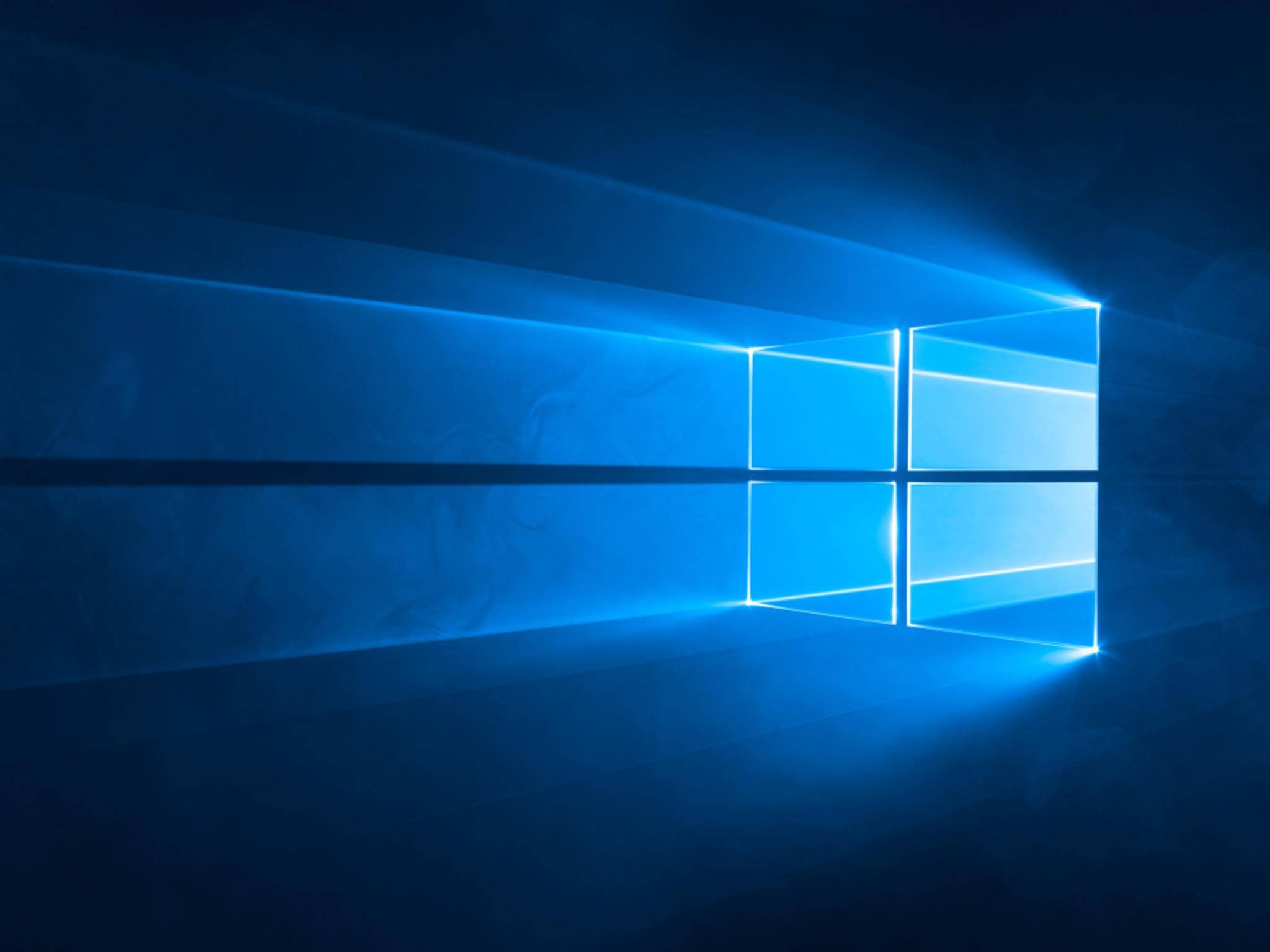 Der Stock-Wallpaper für Windows 10 ist ab sofort verfügbar.