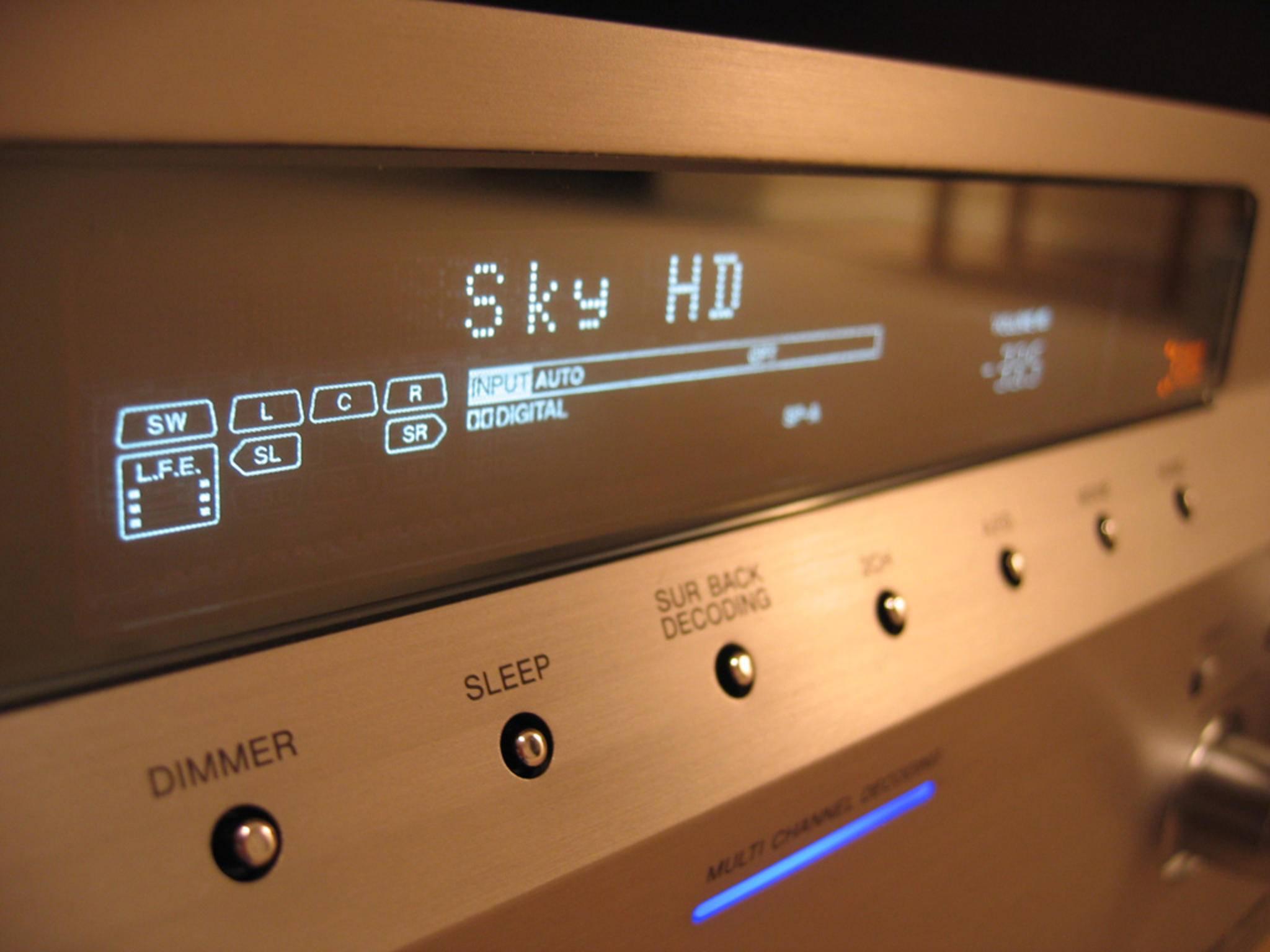 Auch ein AV-Receiver wird am bequemsten per HDMI an den TV angeschlossen.