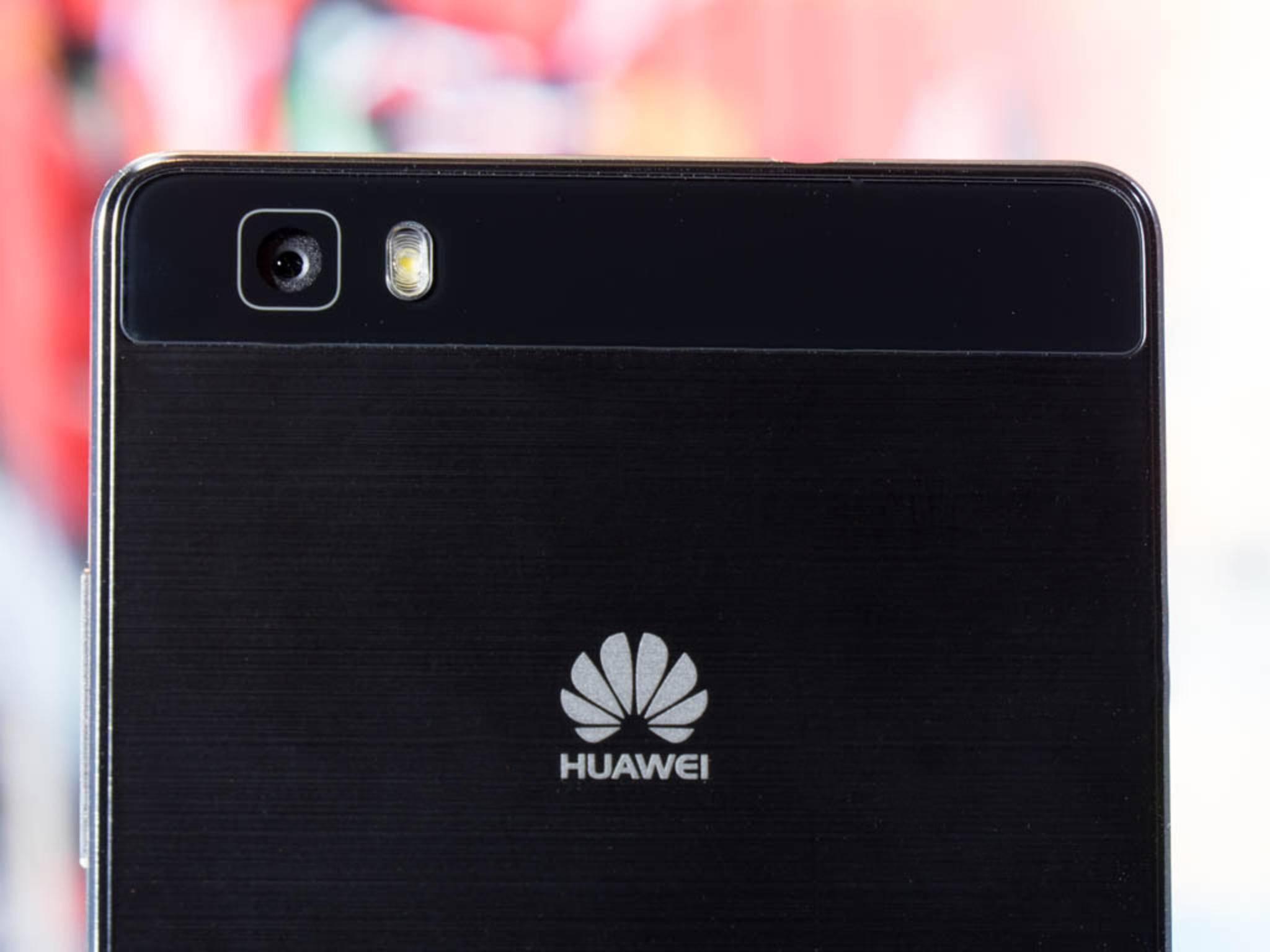 Die Rückkamera des Huawei P8 Lite und der LED-Blitz.