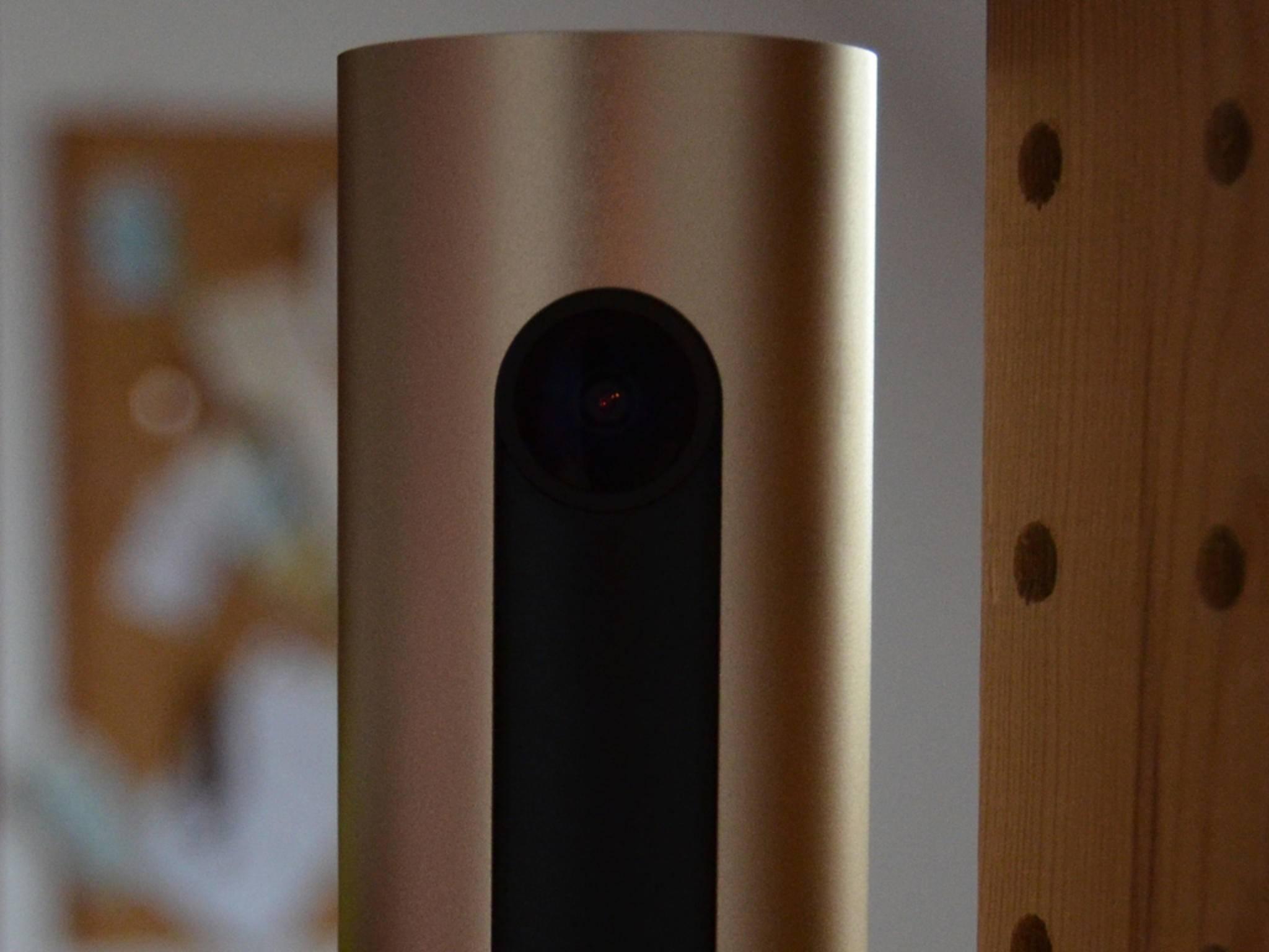 ... HD-Linse mit einem Blickwinkel von 130 Grad und verfügt neben ...