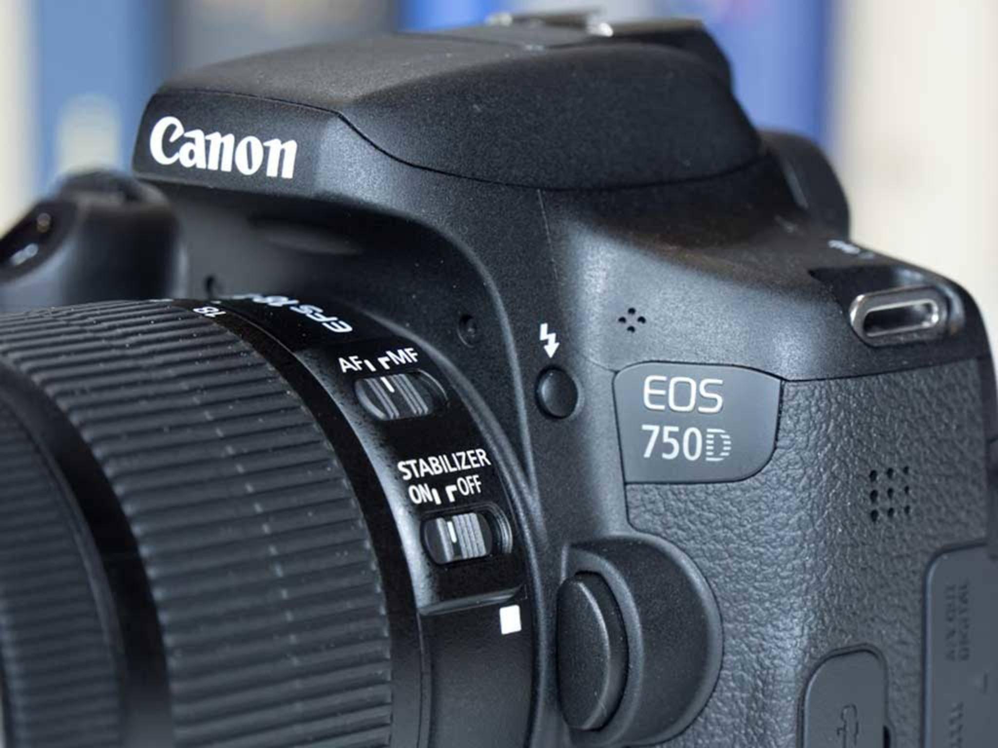 Canon EOS 750D1