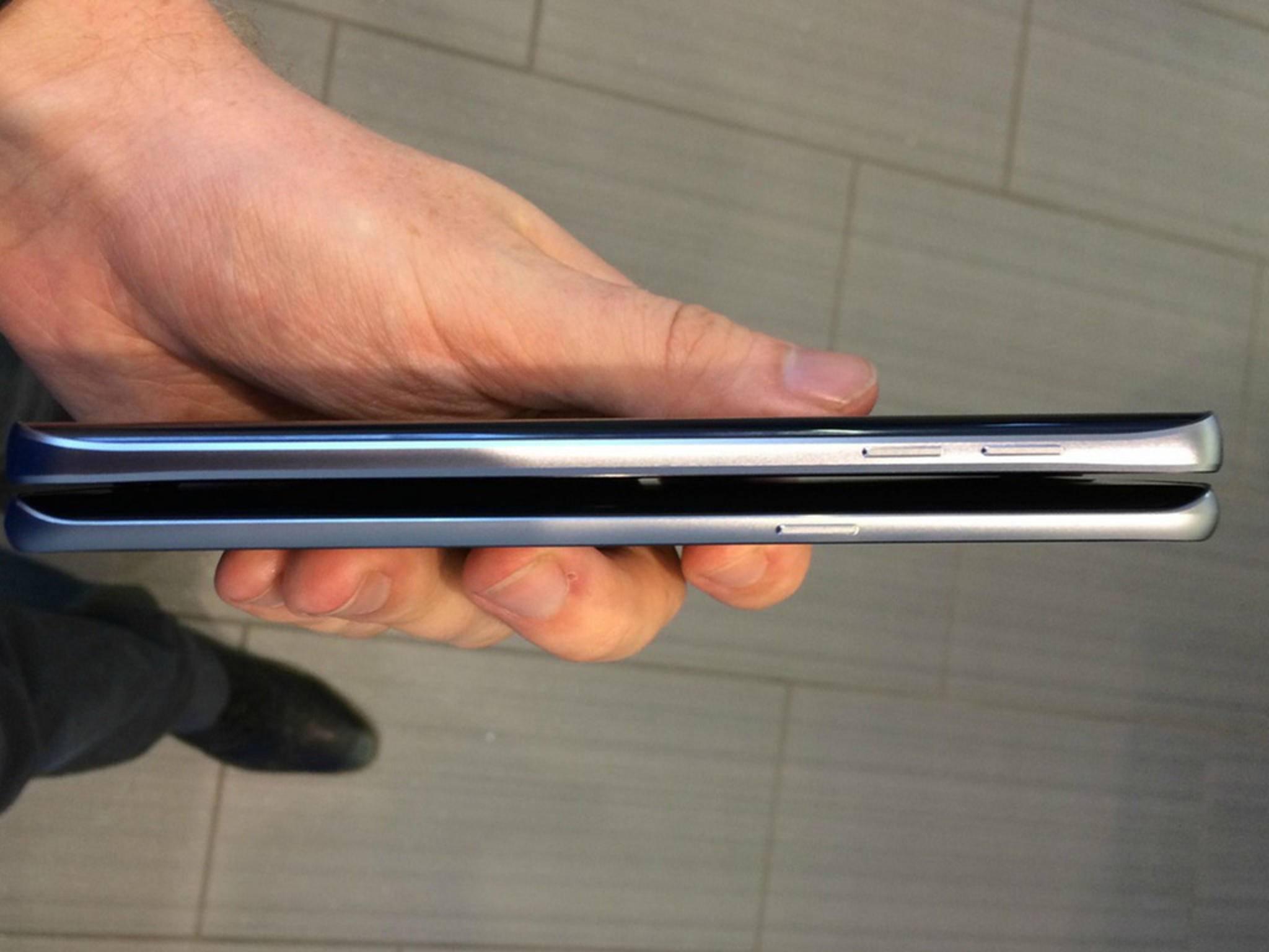 Das Galaxy Note 5 im Größenvergleich mit dem Galaxy S6 Edge+.