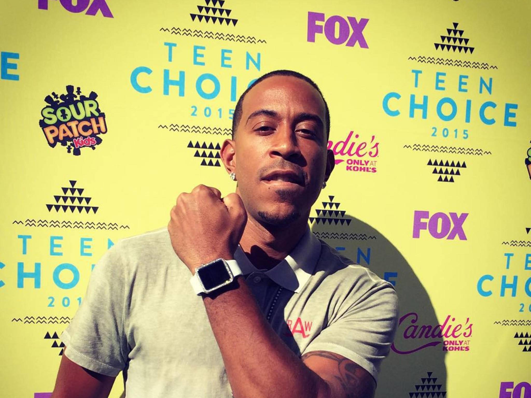Rapper Ludacris auf den Teen Choice Awards mit seiner protzigen Apple Watch.