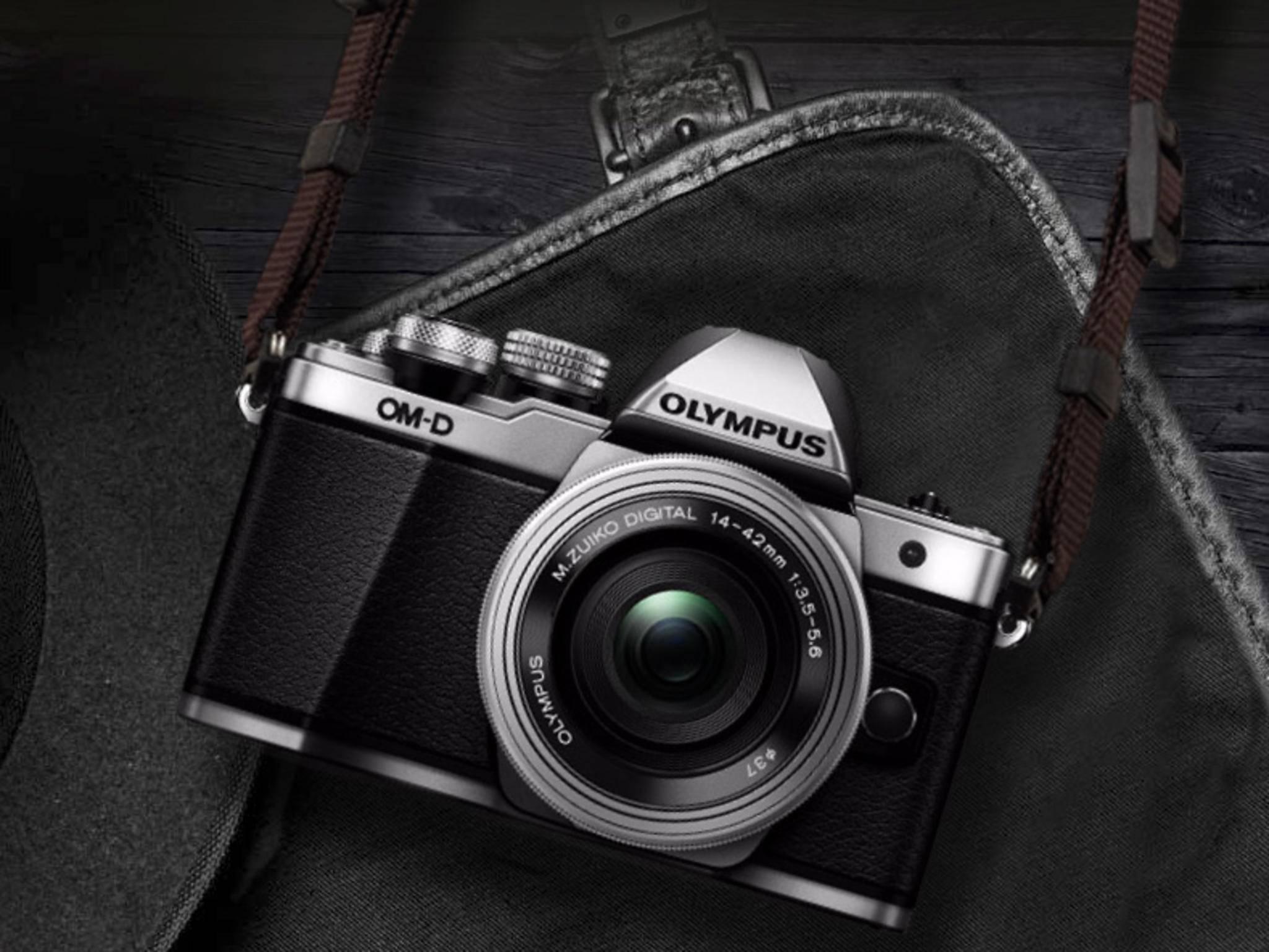 Die Olympus OM-D E-M10 II ist eine mit Funktionen vollgestopfte Kamera im Retro-Look.