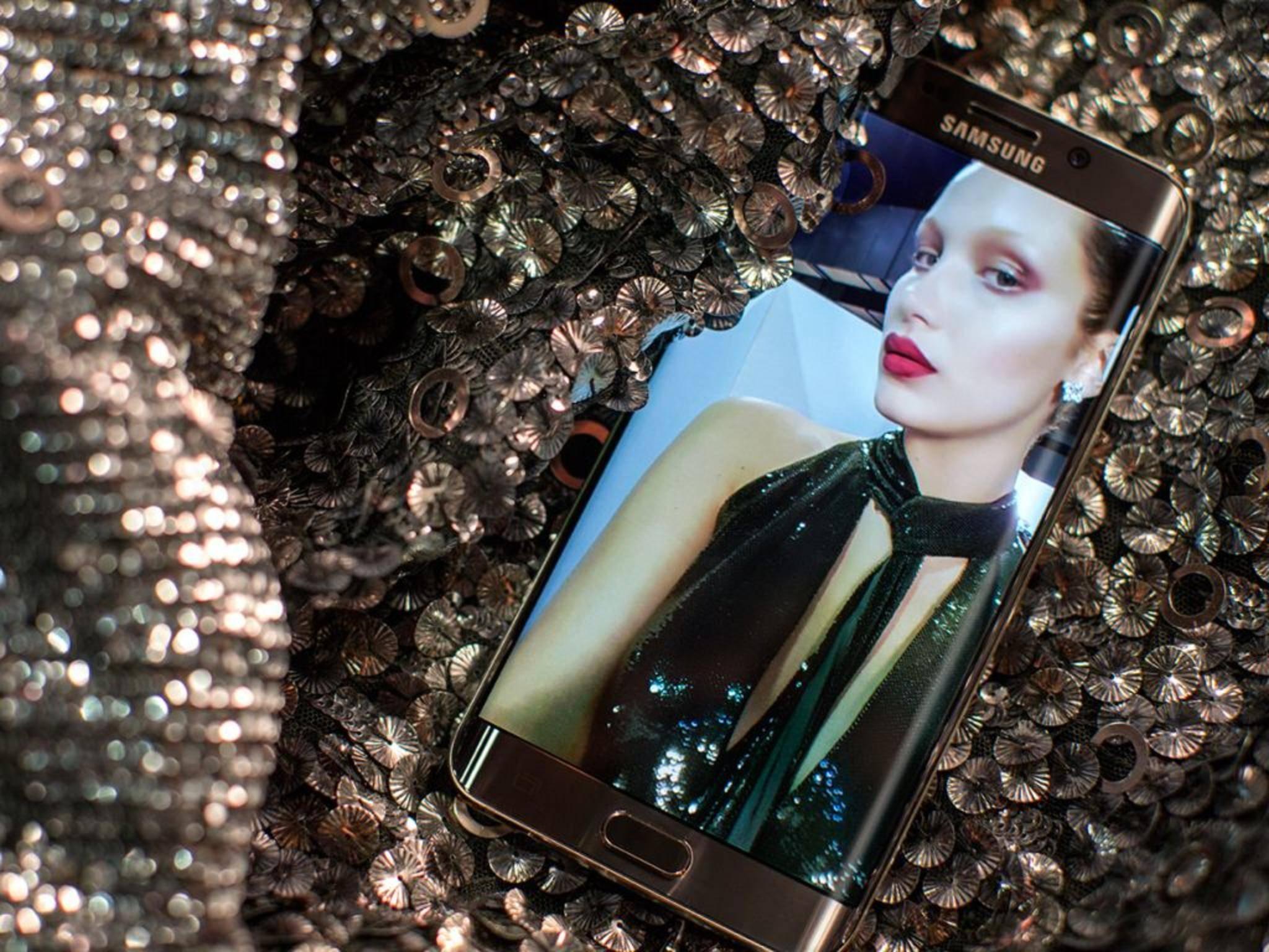 Das Samsung Galaxy S6 Edge soll noch im Dezember ein Update bekommen.