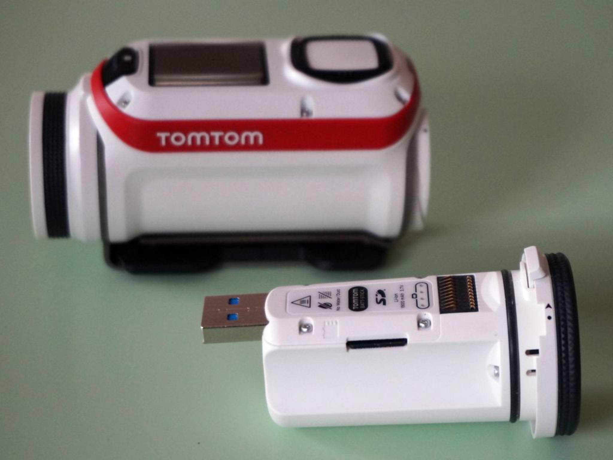 Der Batt-Stick wird dann via USB-Anschluss geladen.