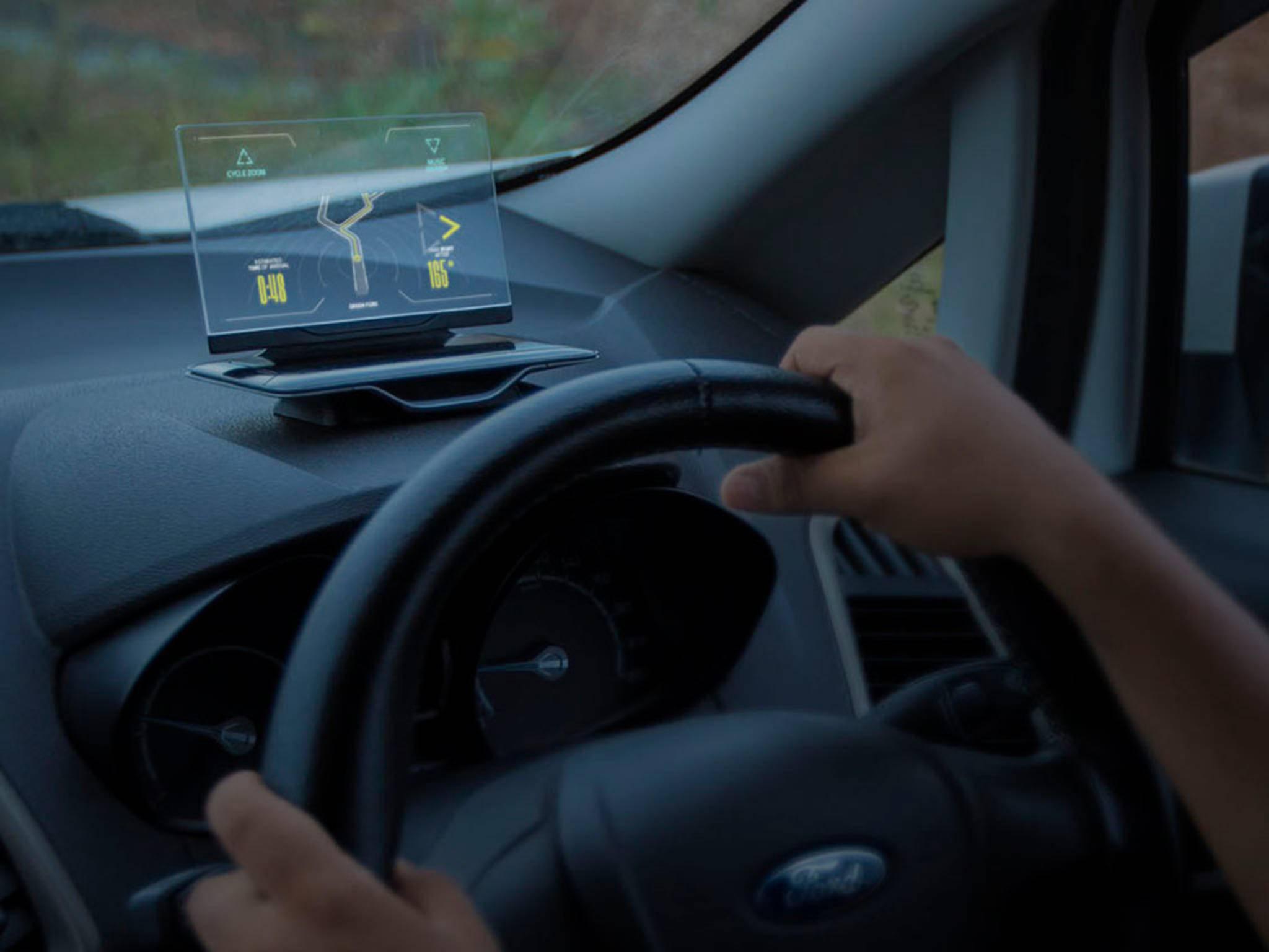 Für die Navigation verbindet sich das System mit Google Maps.