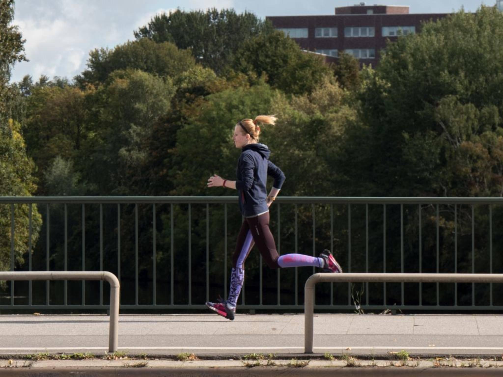 Beim Sport darf ein Fitness-Tracker nicht stören.