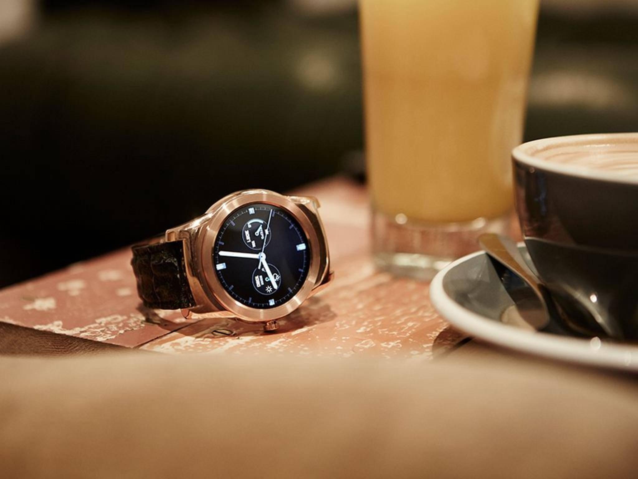 Die LG Watch Urbane lernt als erste Android-Uhr, mit dem iPhone zu kommunizieren.