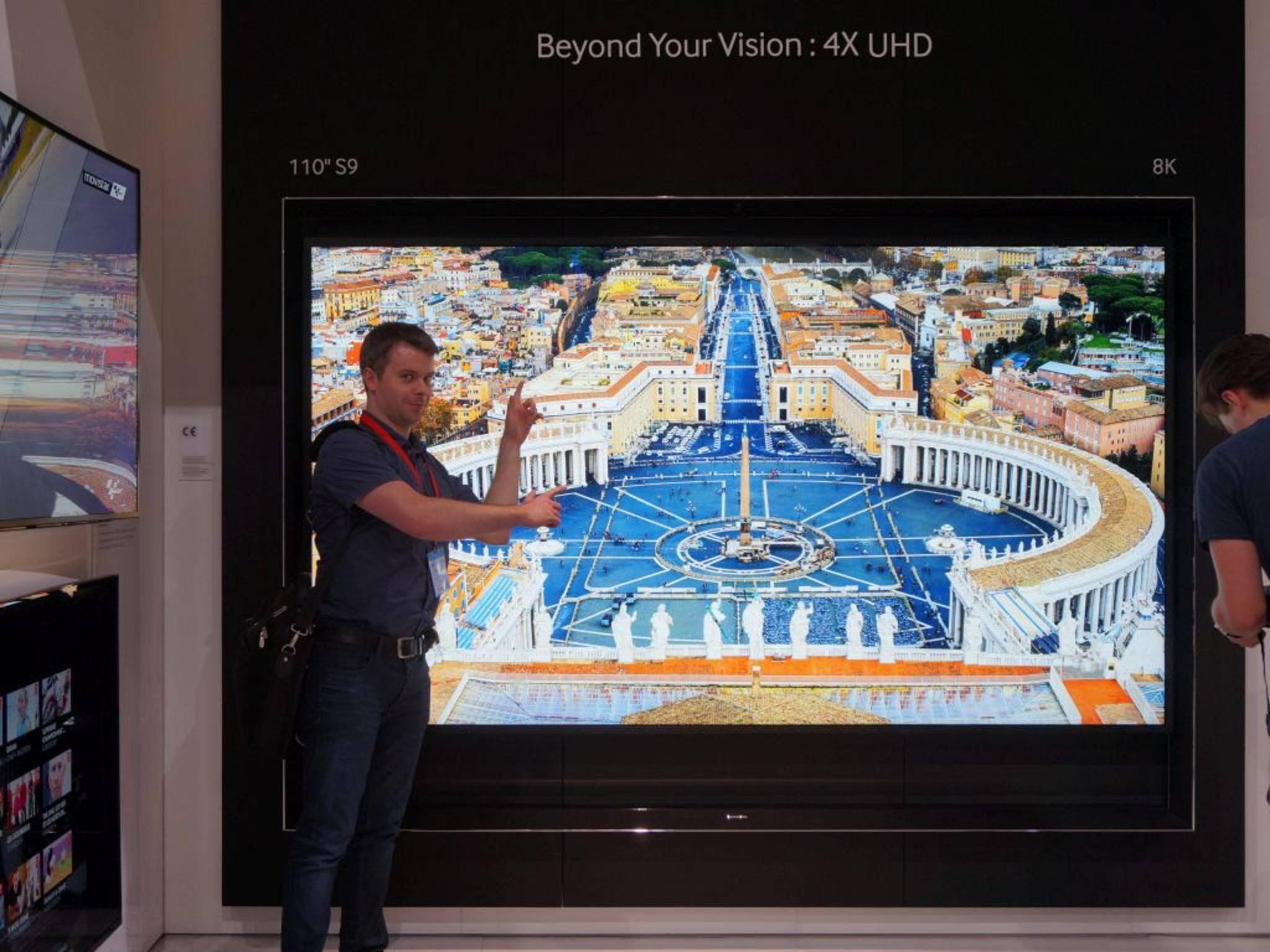 Nicht Samsung, sondern Sharp wird den ersten 8K-Fernseher in den freien Handel bringen.