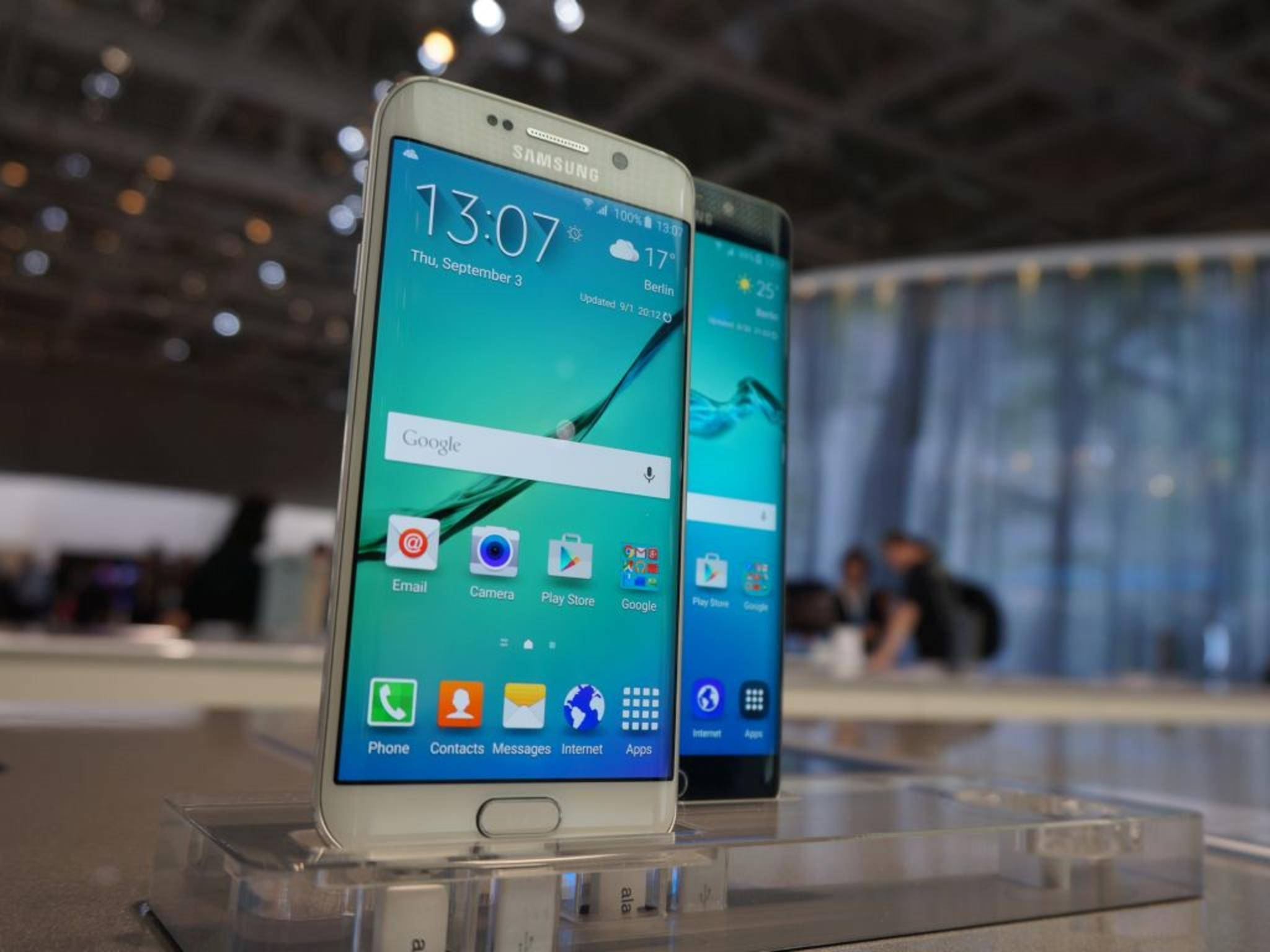 Das Galaxy S6 Edge+ bekommt jetzt sein erstes Software-Update.
