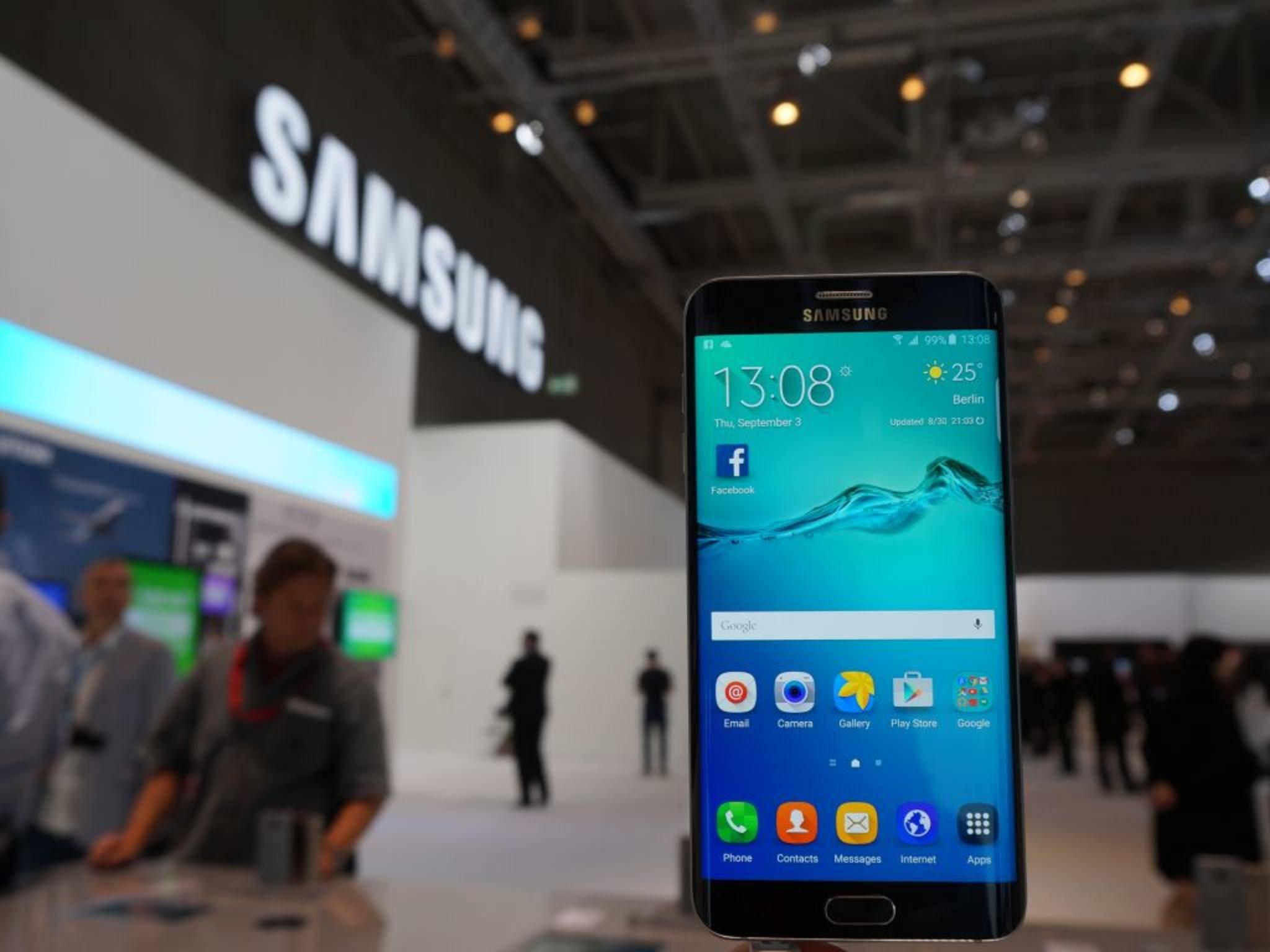 Android wird bei allen Samsung-Smartphones um die eigene TouchWiz-UI ergänzt.