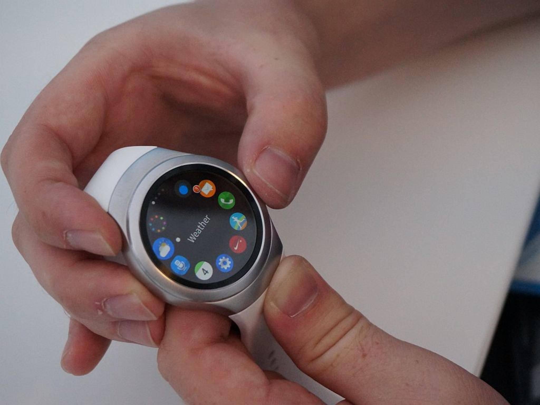 Dank ihr landen weniger Fingerabdrücke auf dem Smartwatch-Display als...